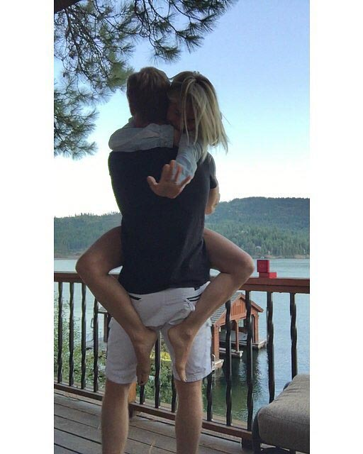 engaged-instagram-julianne-hough-brooks-laich-0316.jpg