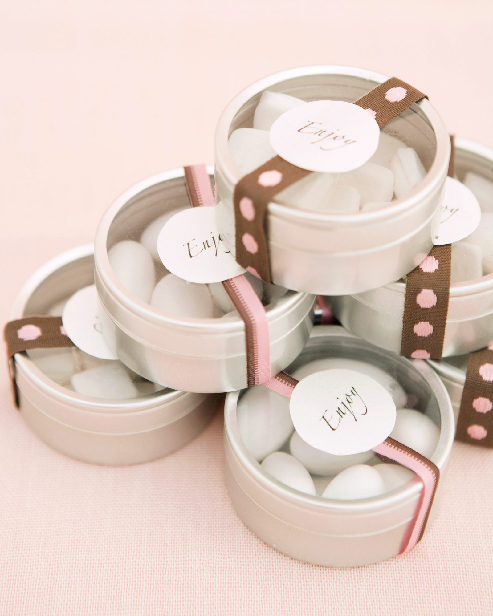 out-of-date-wedding-favors-0316.jpg