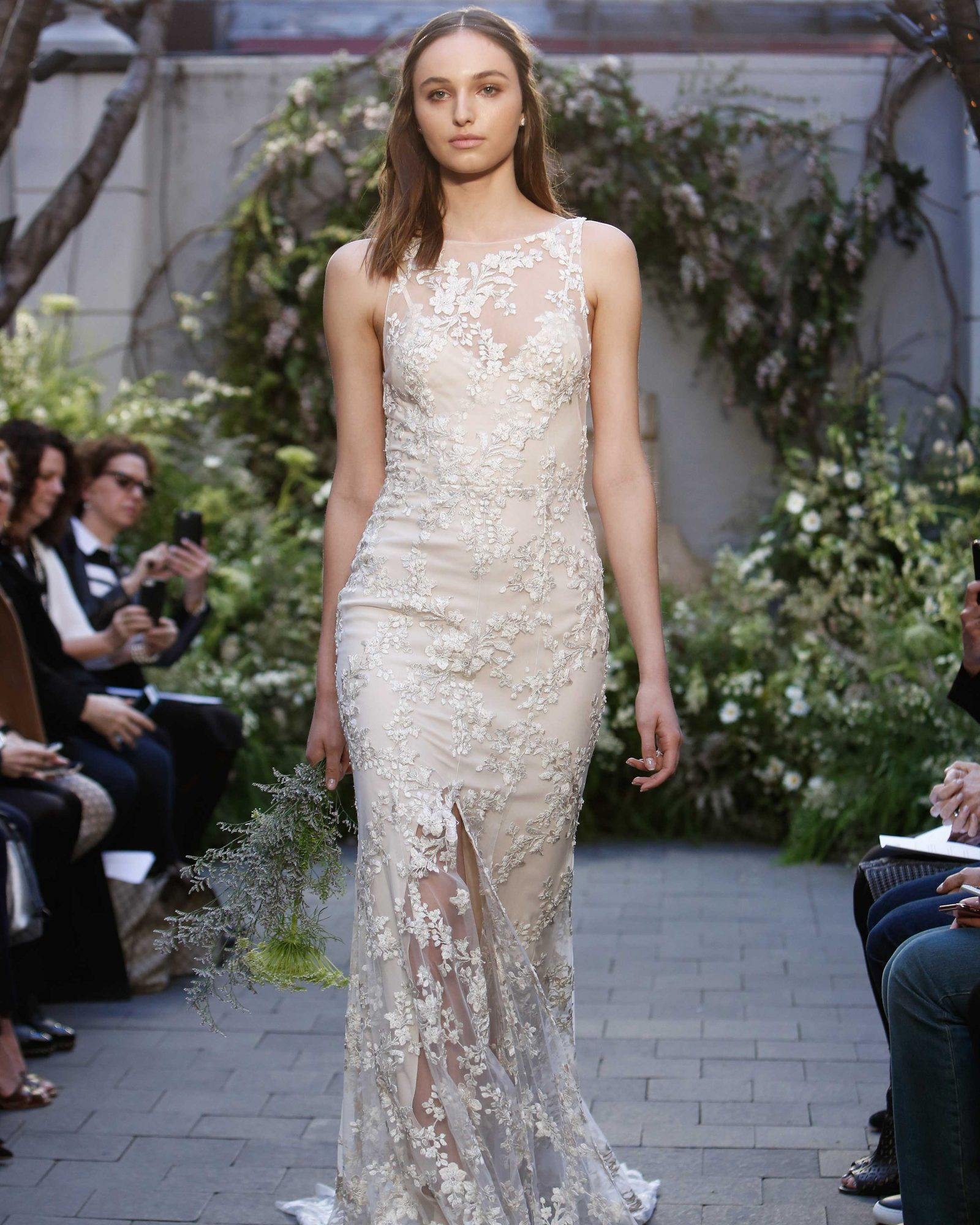 monique-lhuillier-spring2017-d113026-005.jpg