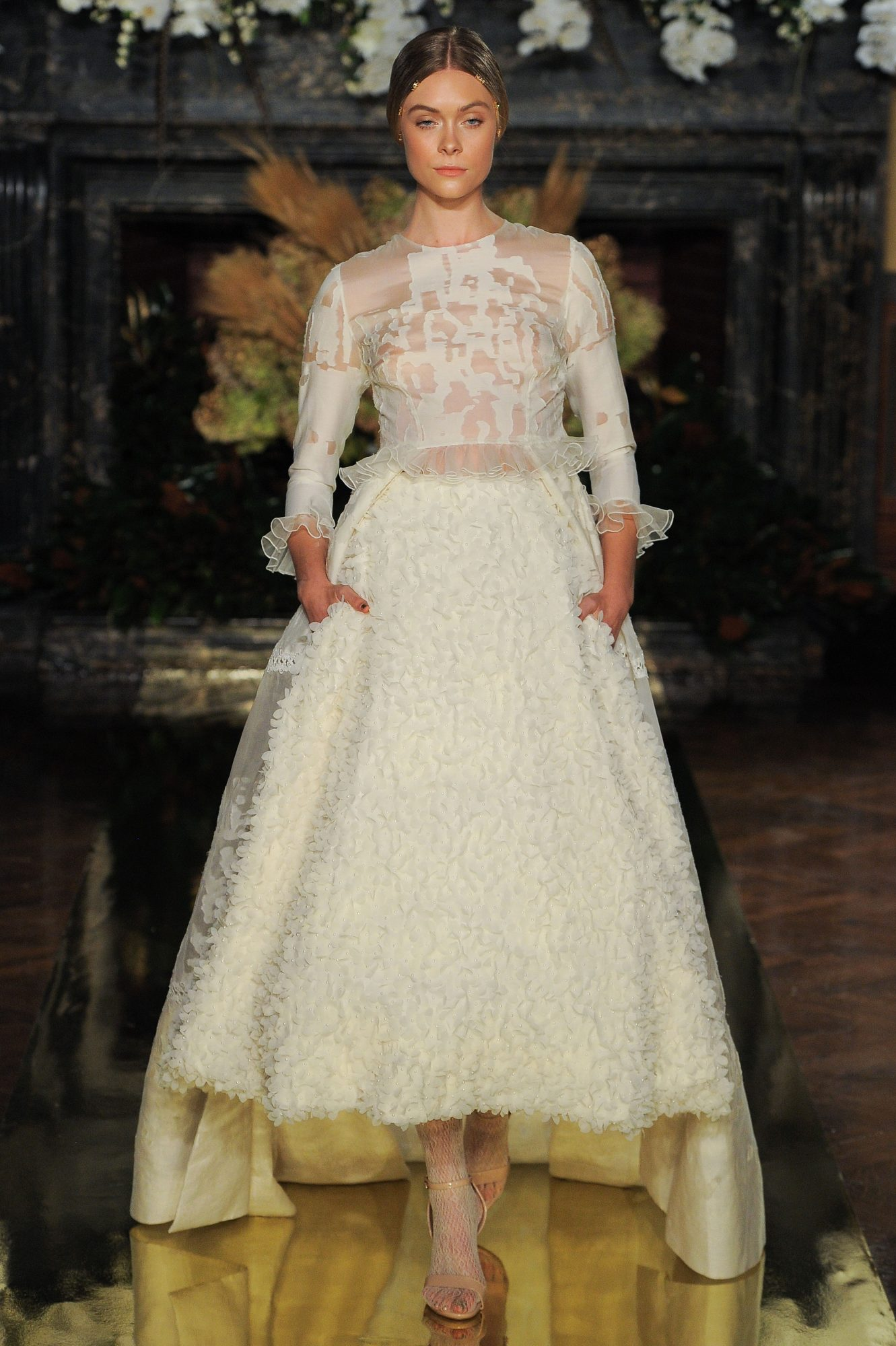 YolanCris Fall 2017 Wedding Dress Collection