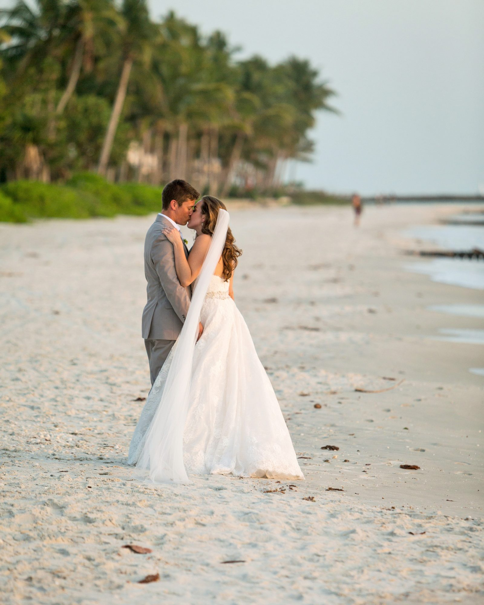 erin-ryan-florida-wedding-couple-beach-1039-s113010-0516.jpg