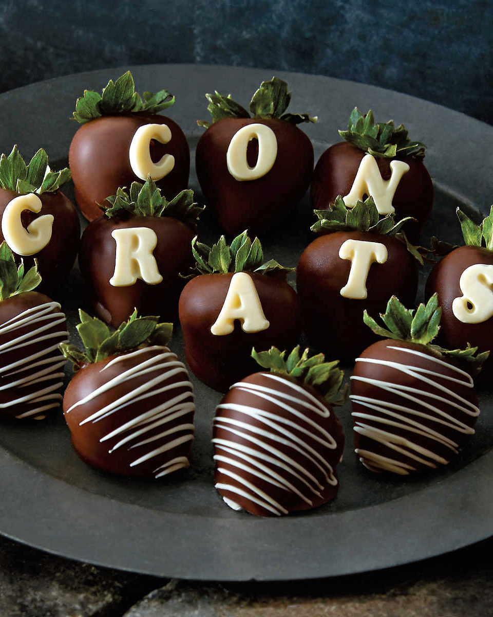 engagement-gifts-harry-david-chocolate-covered-strawberries-0316.jpg