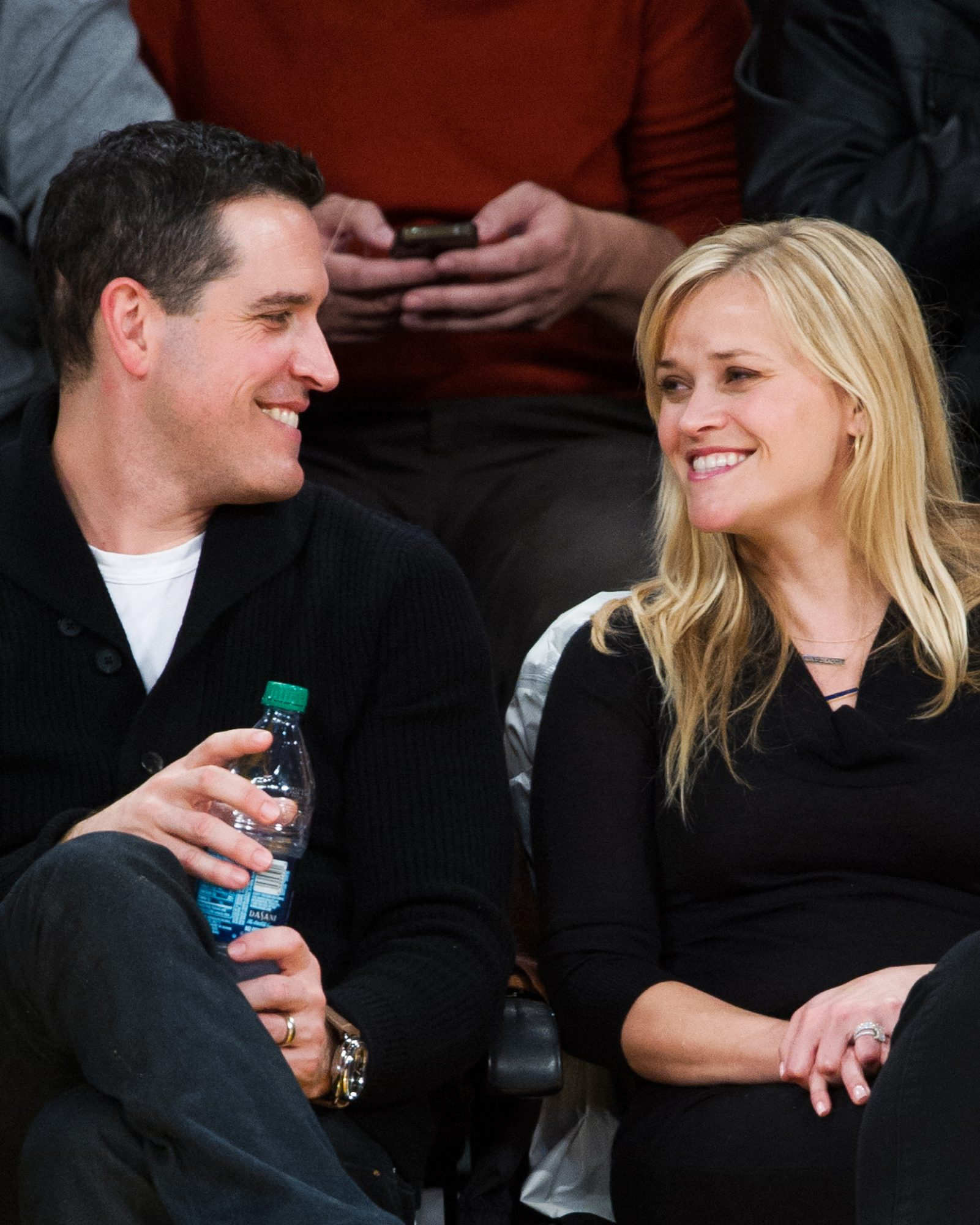 celebs-courtside-reese-witherspoon-jim-toth-0616.jpg