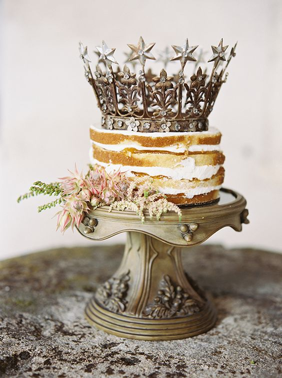 cake with a crown