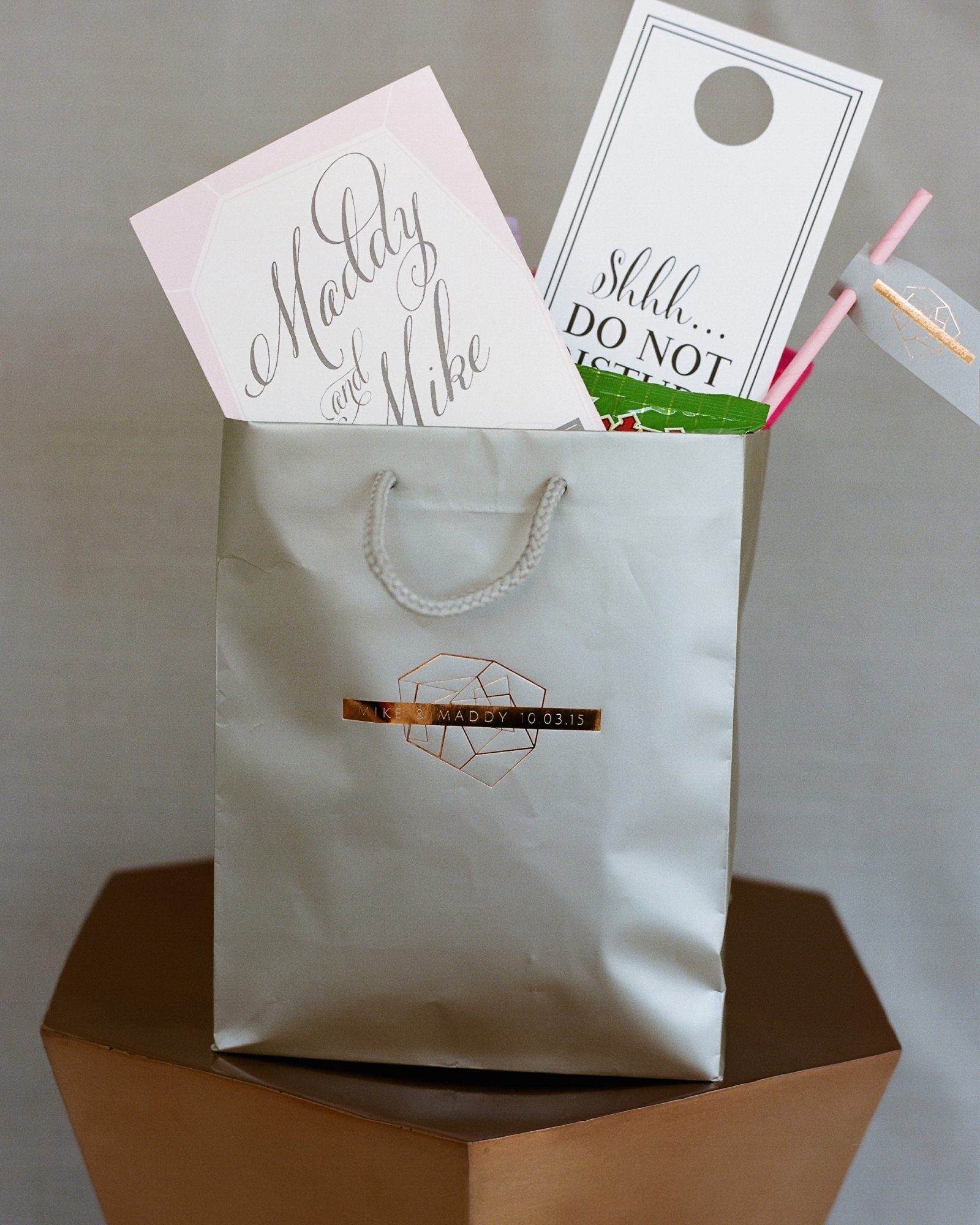 maddy-mike-wedding-welcomebag-005.9779.04c.2015.49-6134174-0716.jpg