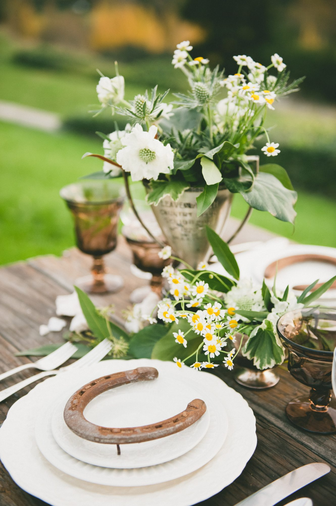 horseshoe place setting decor
