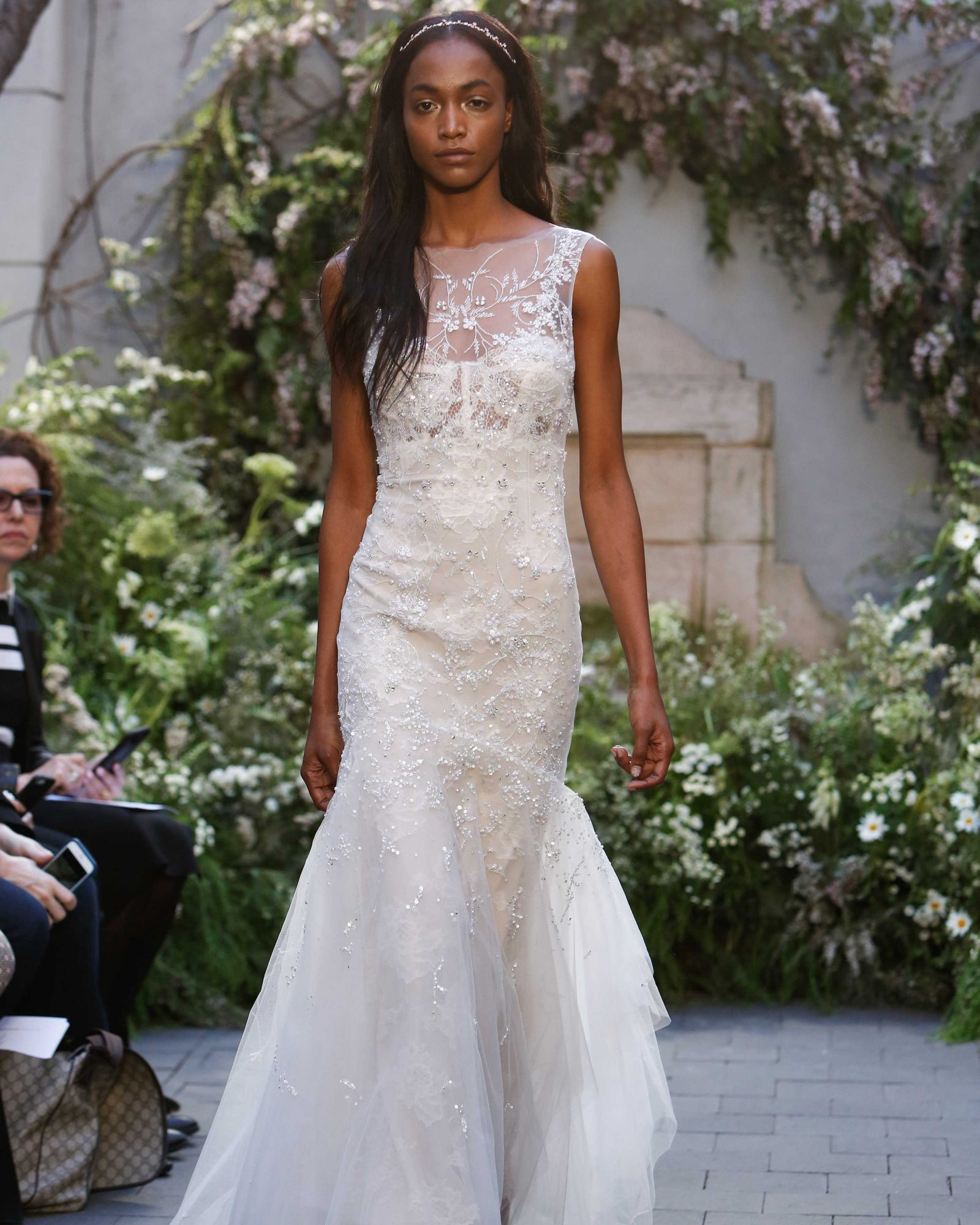 monique-lhuillier-spring2017-d113026-011.jpg