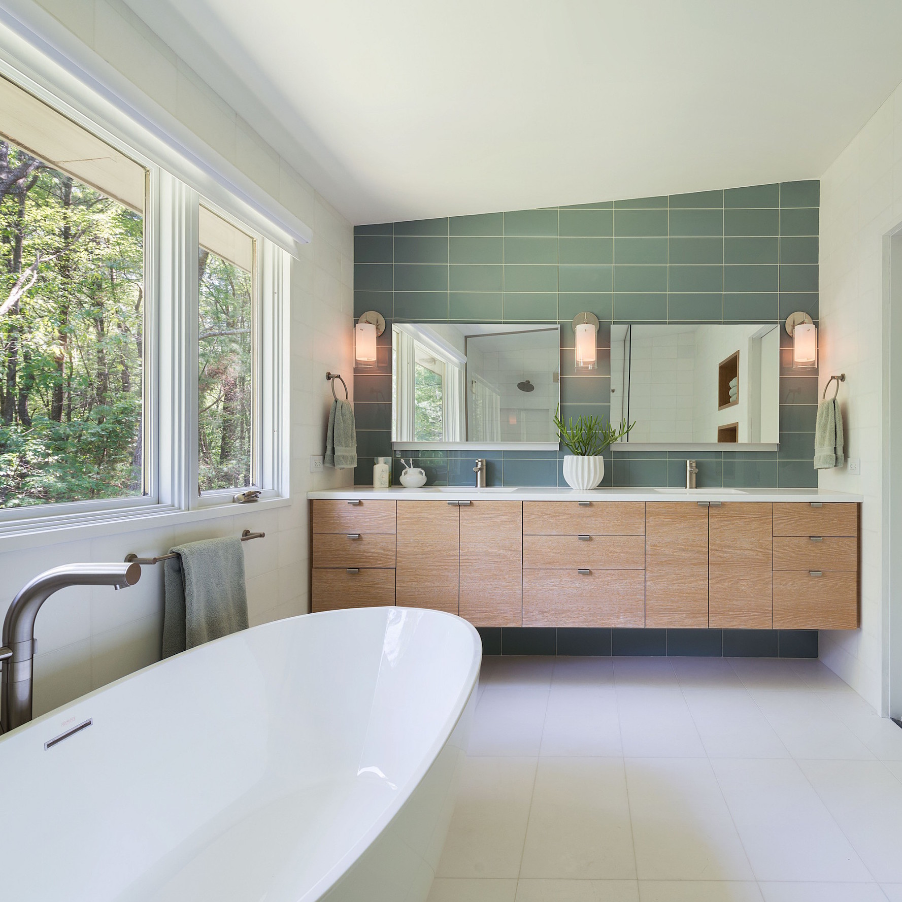green-spa-bathroom-1016.jpeg (skyword:349569)