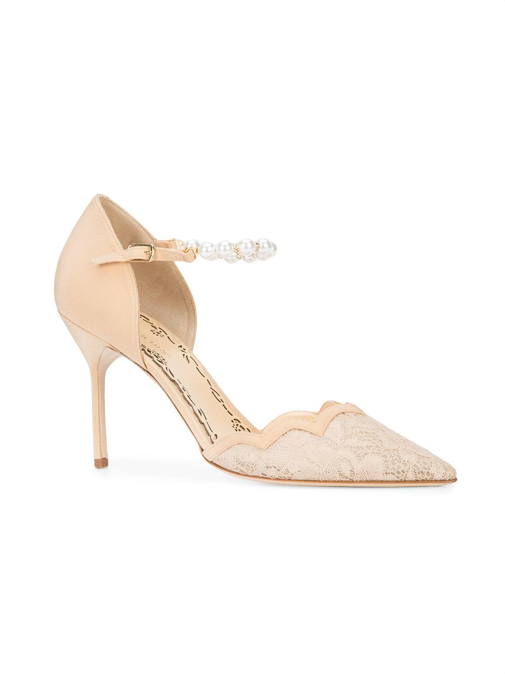nude shoe pearl embellished lace pumps