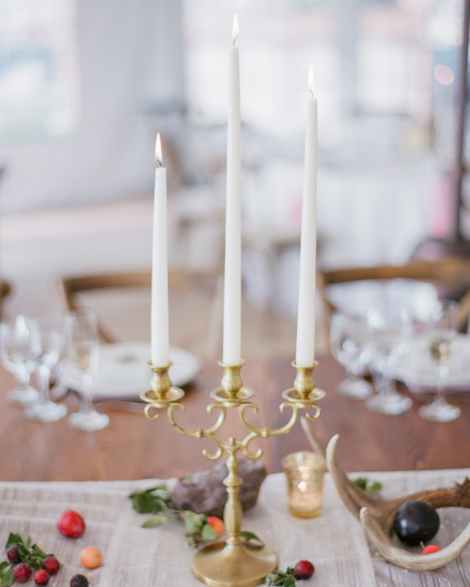 robin-kenny-wedding-candlesticks-021-s112068-0715.jpg