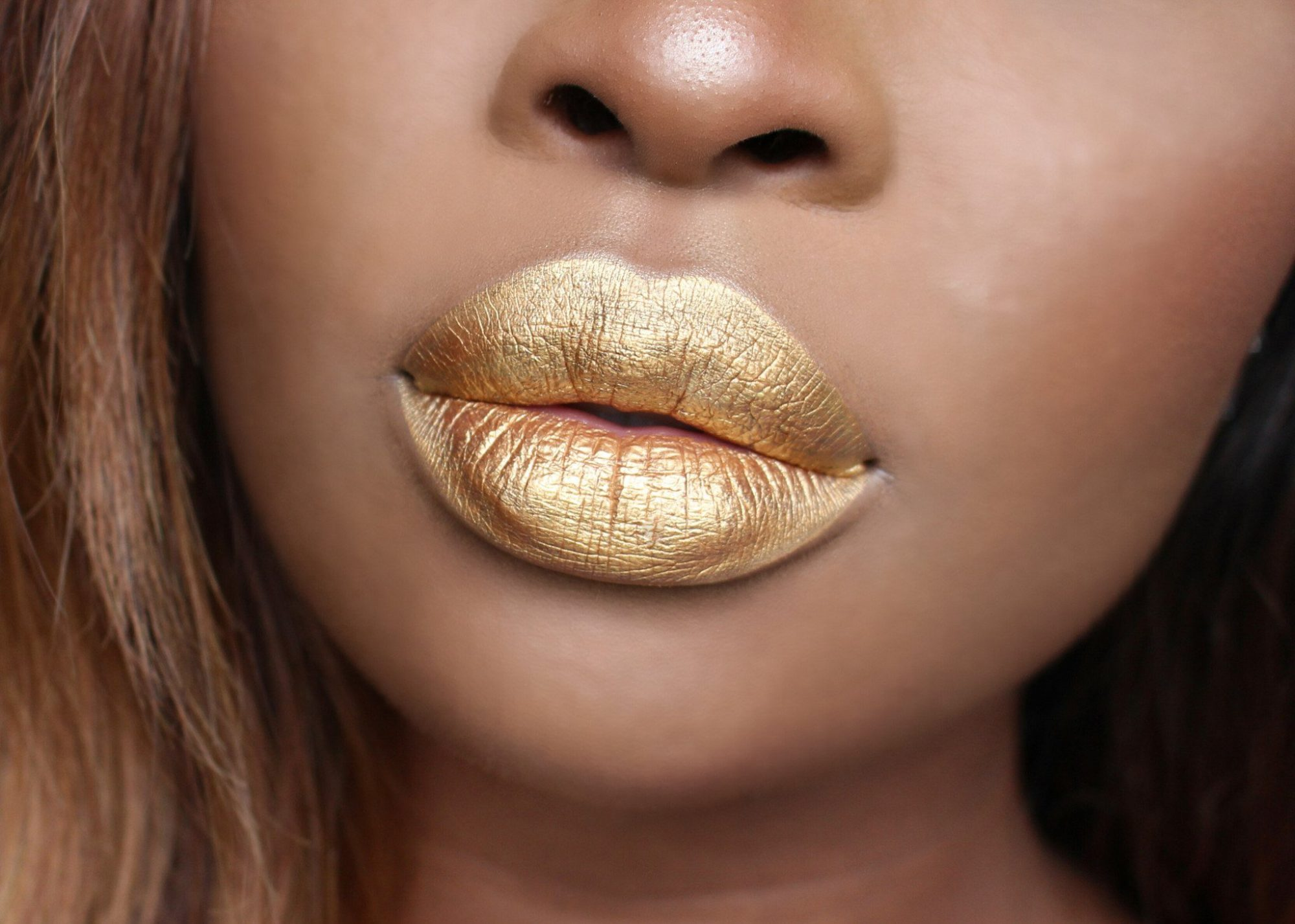 Gold lip whip