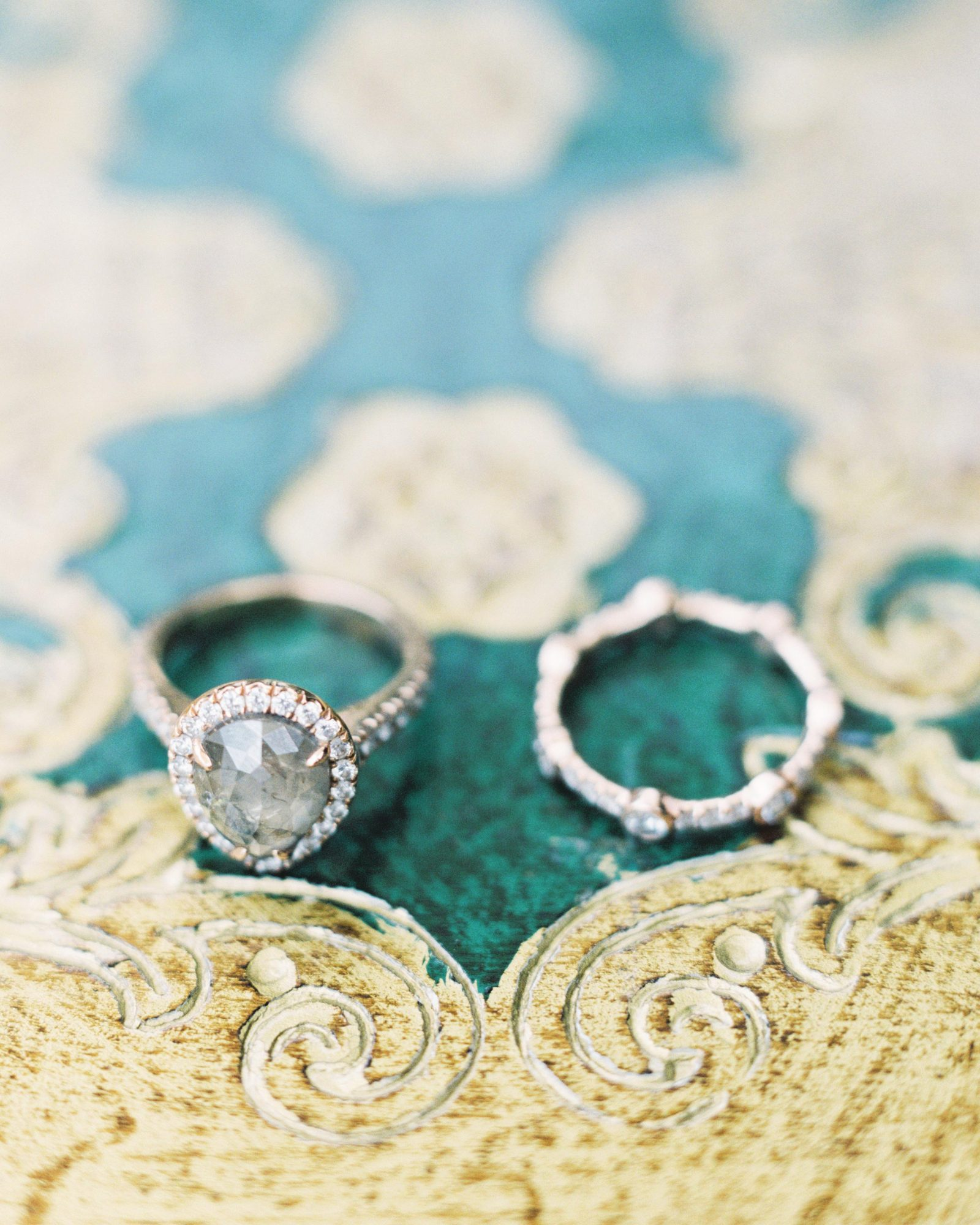ginny-andrew-wedding-rings-0071-s112676-0216.jpg