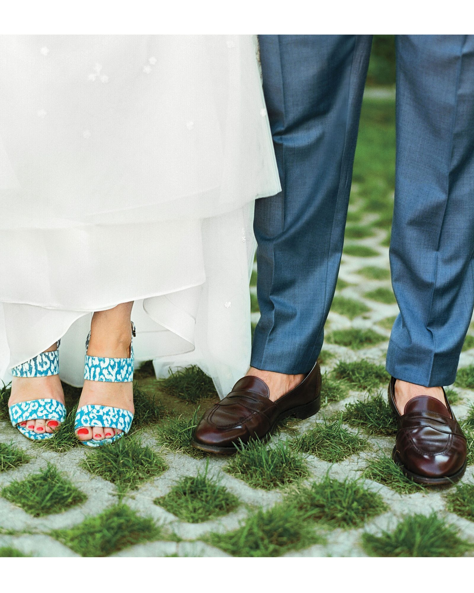 mfiona-peter-wedding-vermont-bride-and-groom-shoes-9652.11.2015.47-d112512.jpg