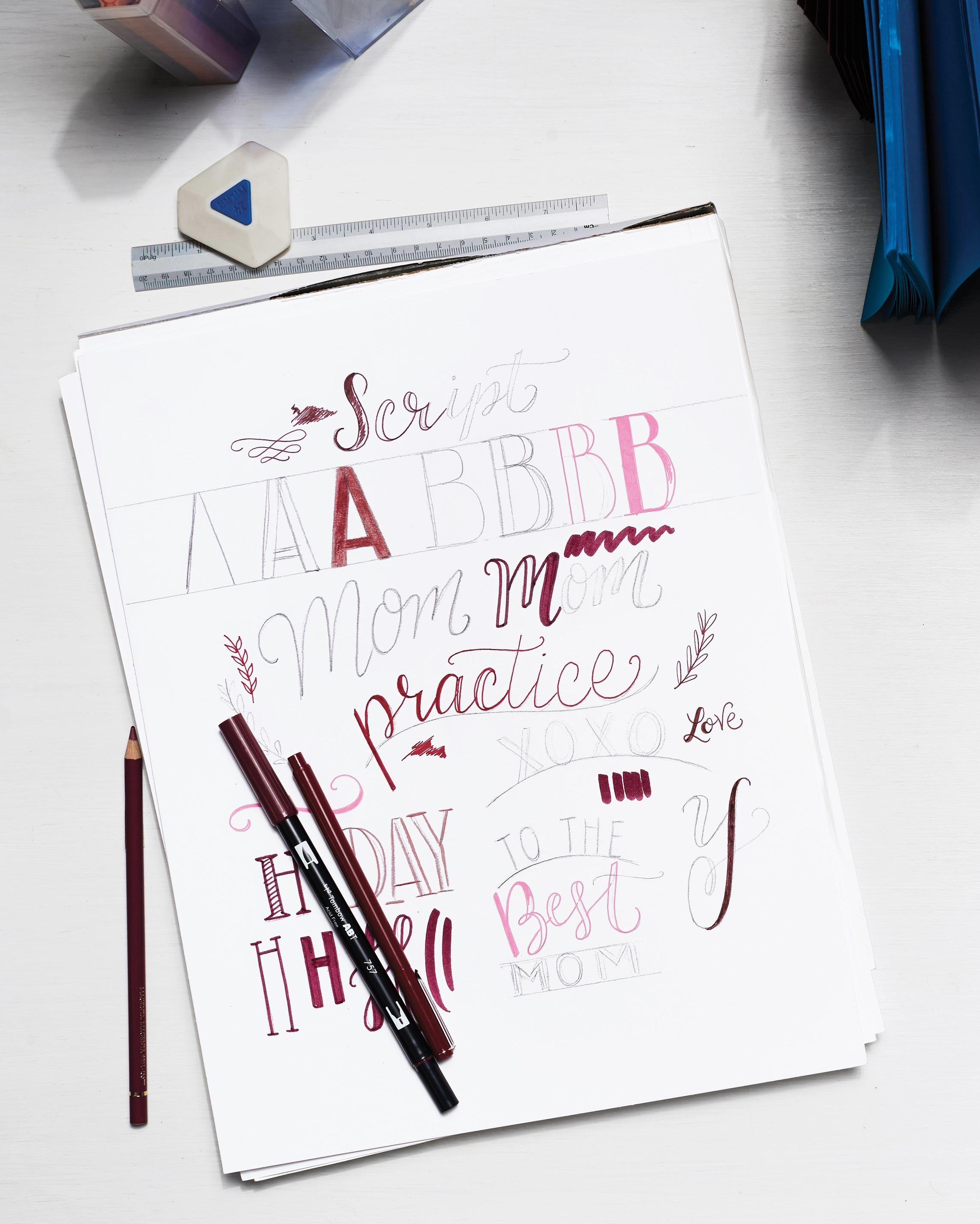 handlettering-working-desk-0236-d112852-left.jpg