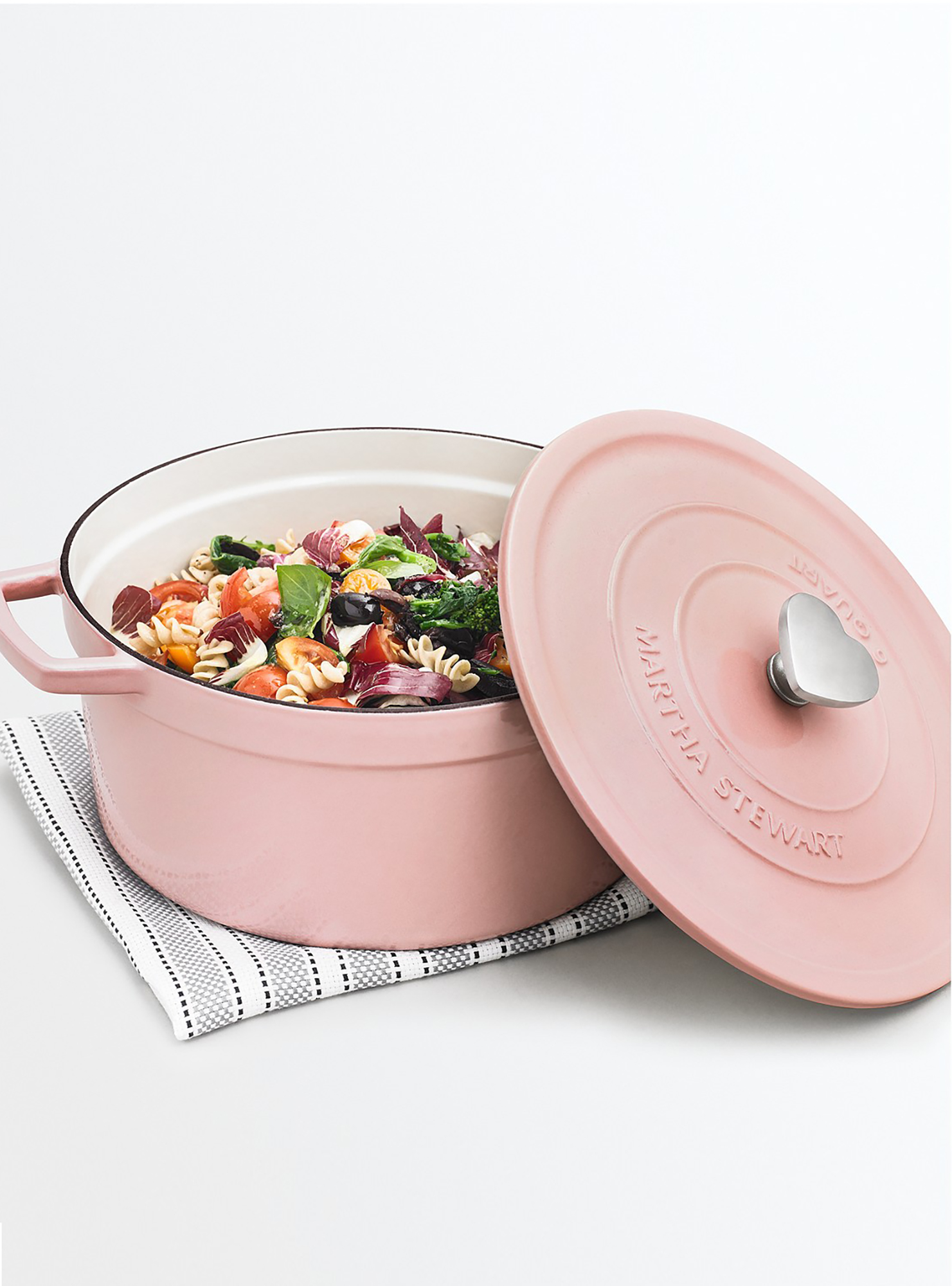 rounded pink dutch oven
