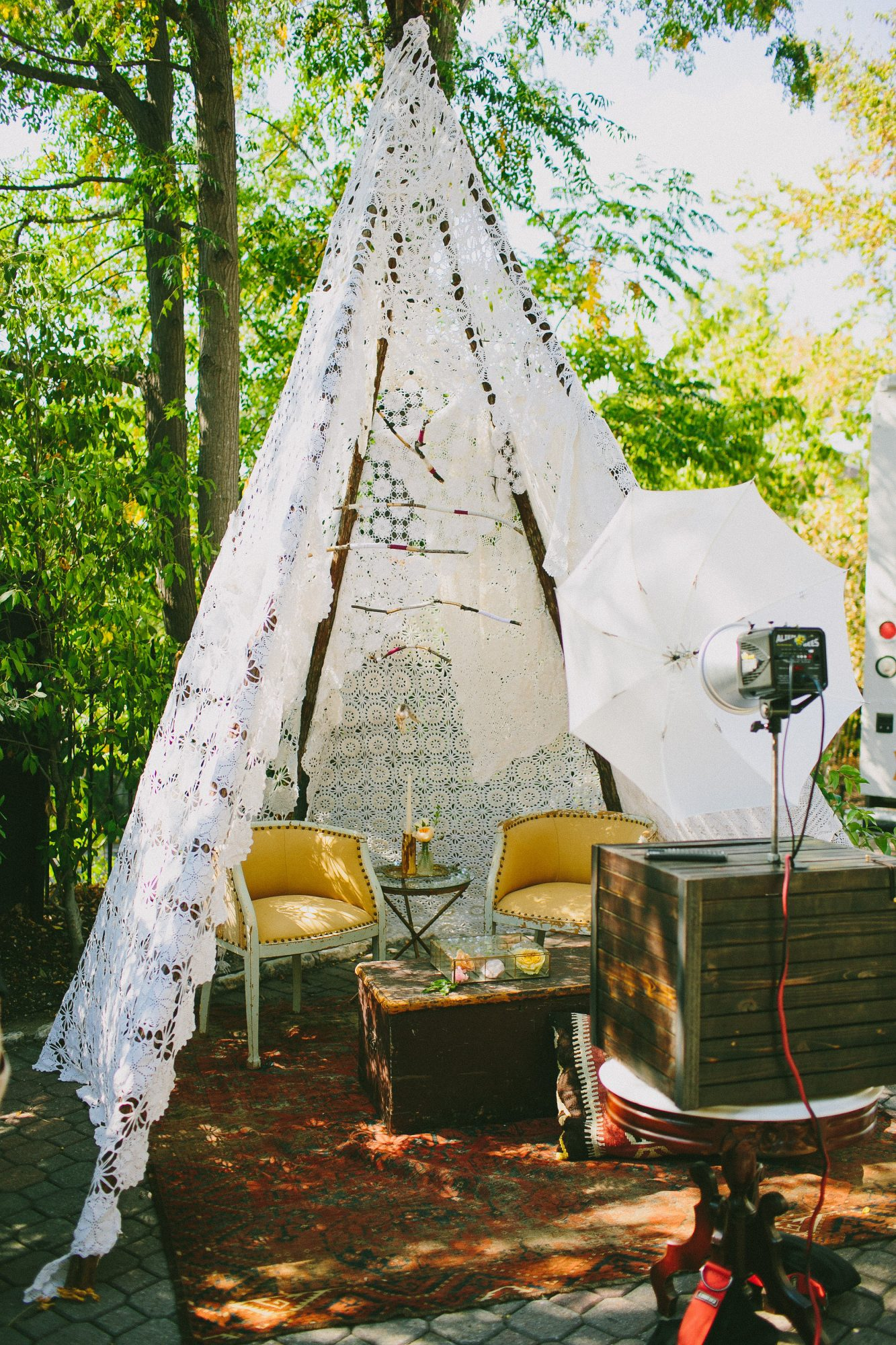 lace tent photo booth