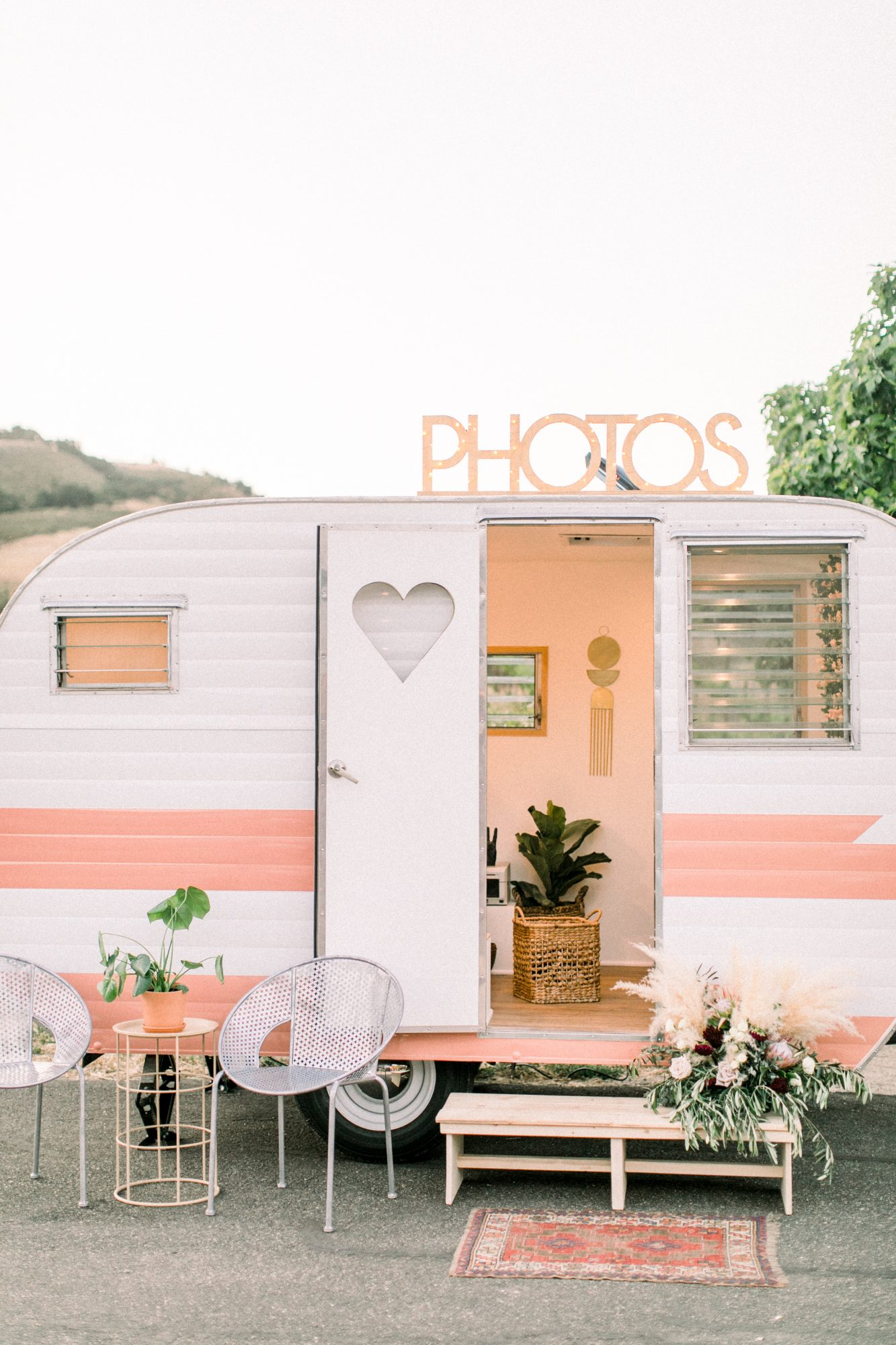 photo booth van with heart