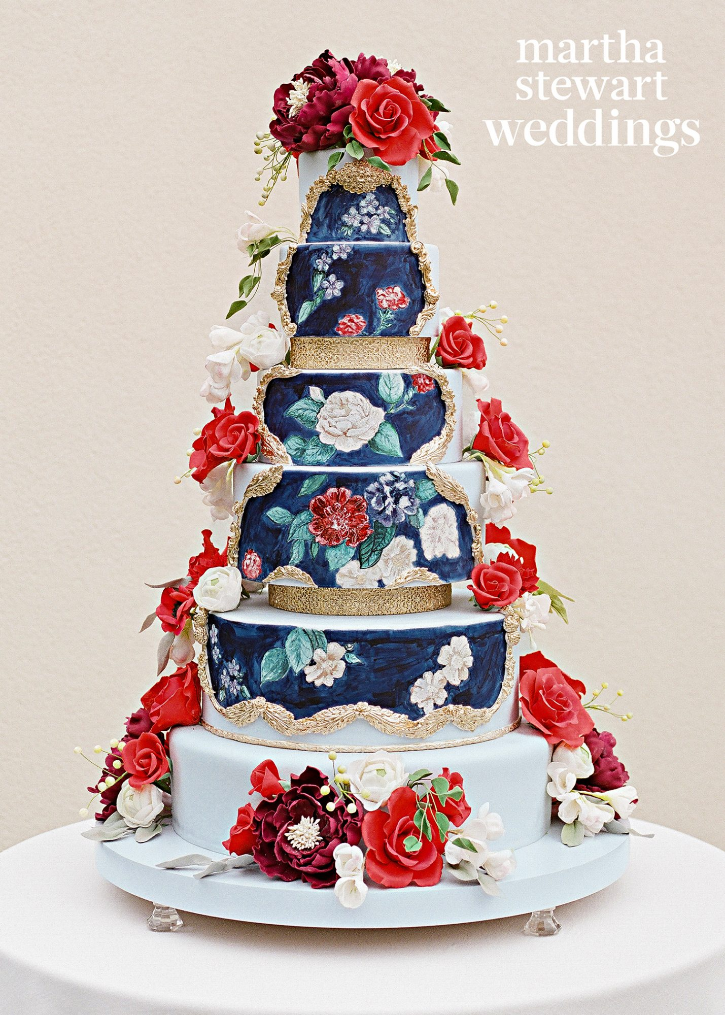 Not only did Ana Parzych hand-paint flowers onto actress Abby Elliott's dark chocolate and strawberry-vanilla wedding cake, but she also adorned it with gum-paste blooms, too. The details made for one truly ornate confection.