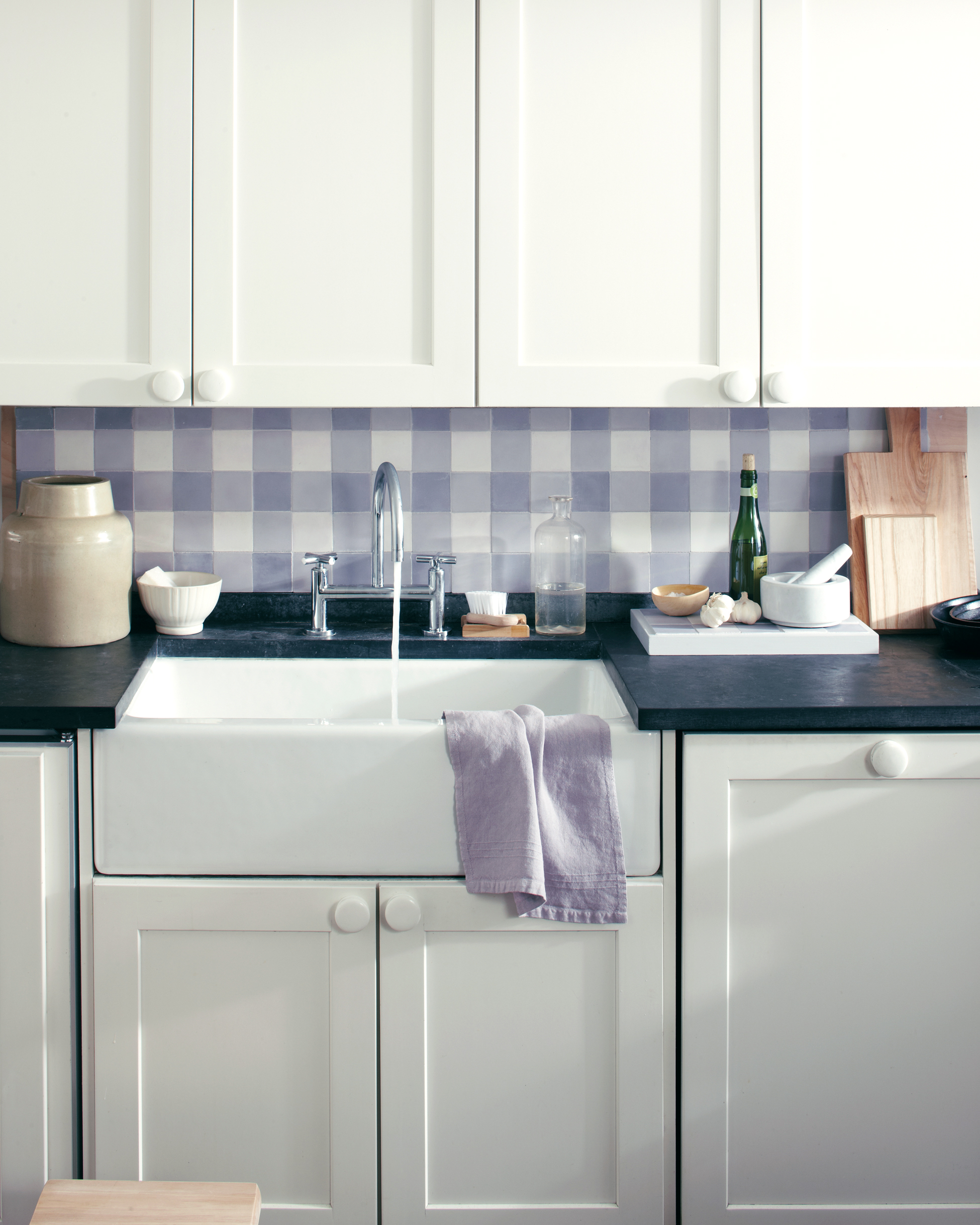 gingham-backsplash-1011mld107505.jpg