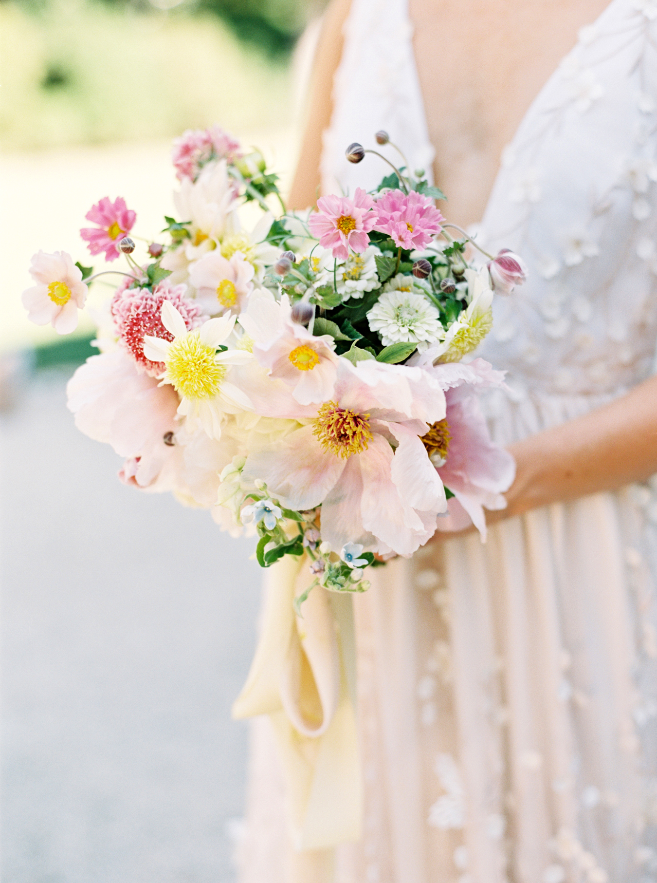 yellow and pink wedding color scheme