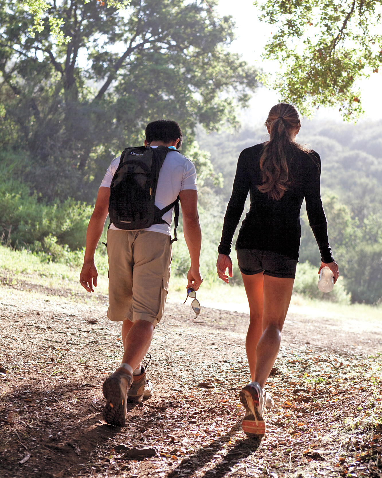 couple-hiking-ms107961.jpg
