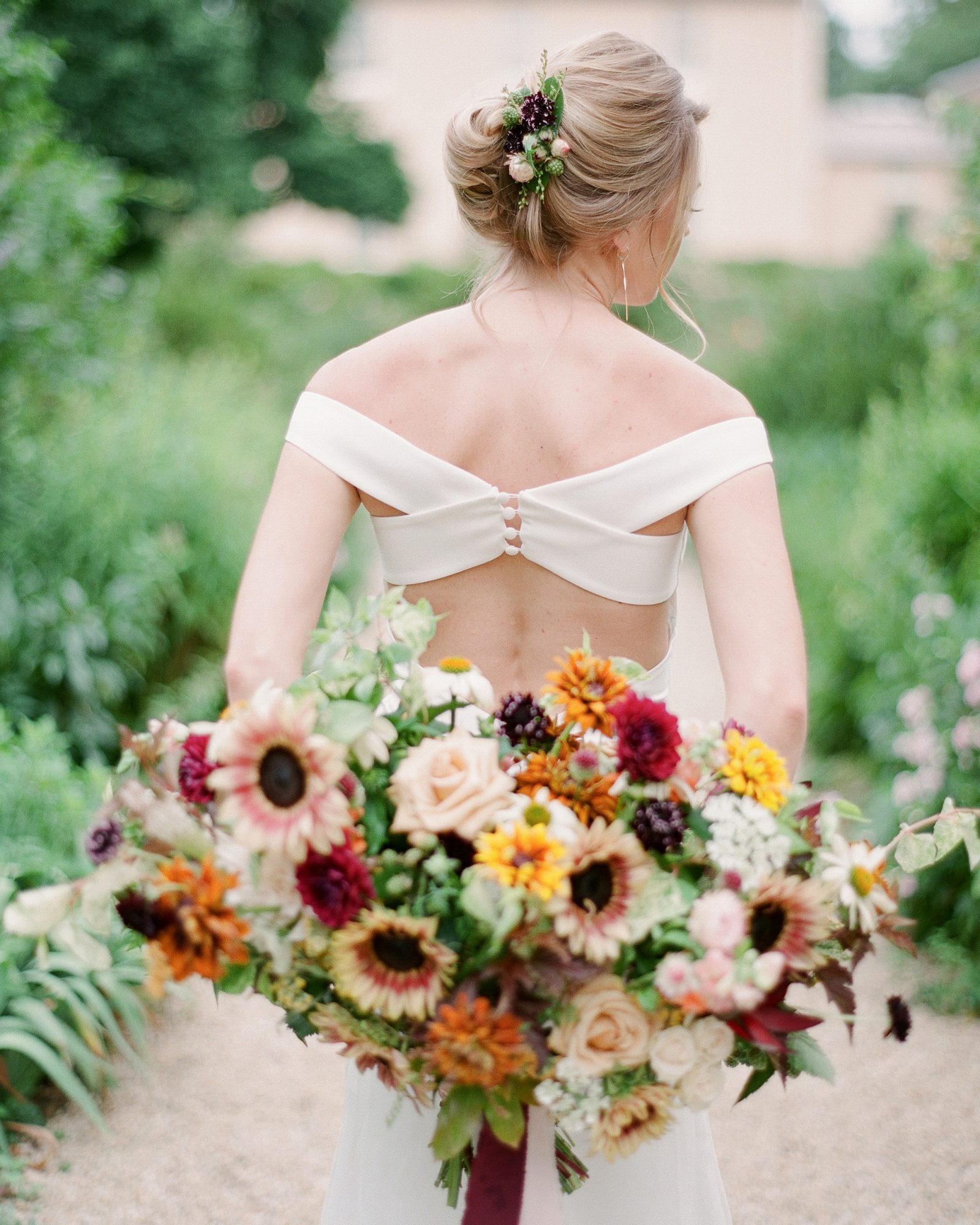 heat resistant bouquets sunflowers