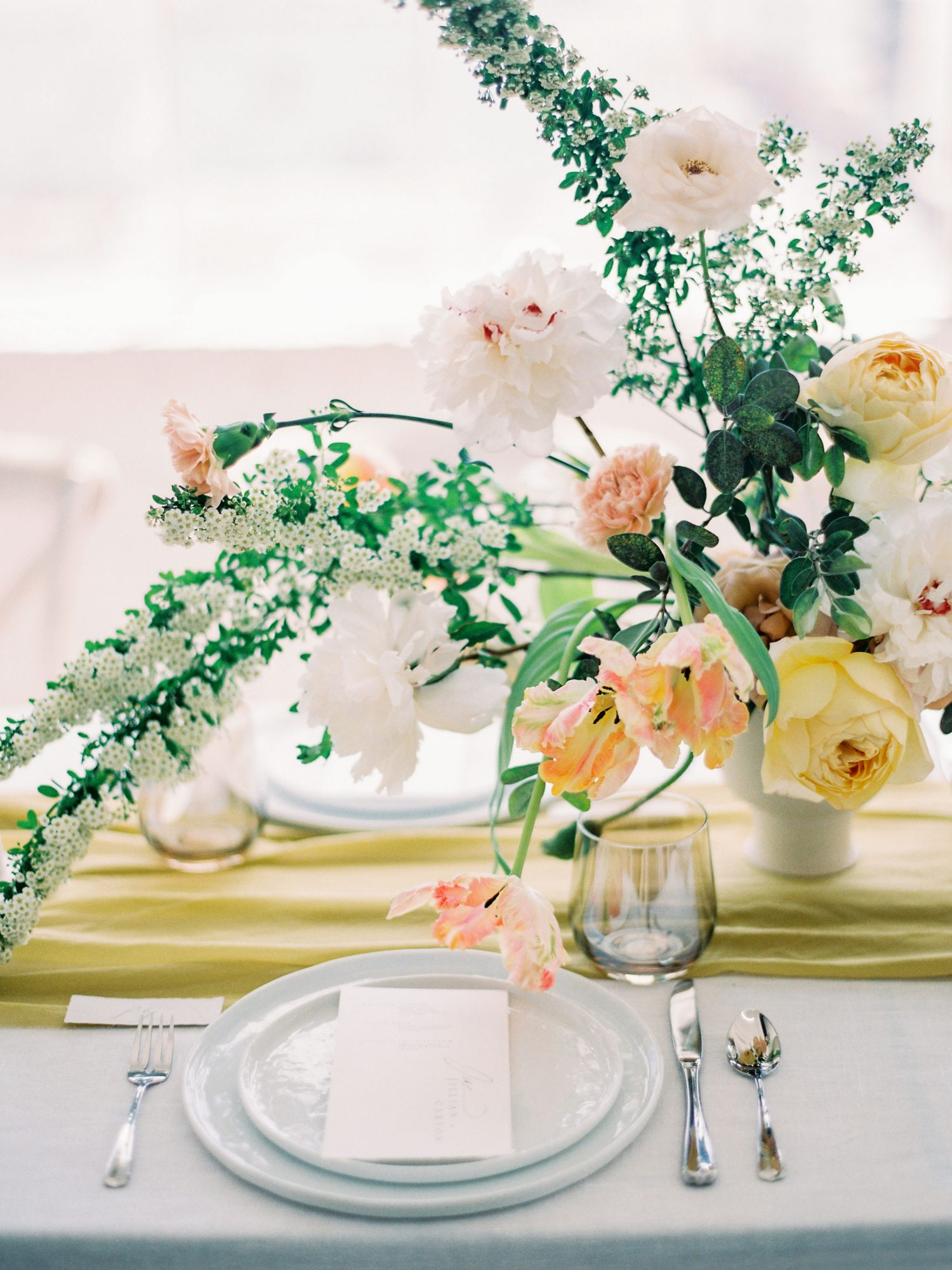 summer wedding floral bouquet centerpieces