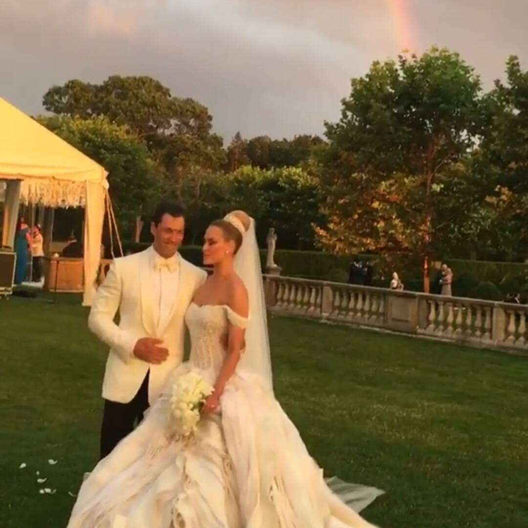 Peta Murgatroyd and Maksim Chmerkovskiy wedding photo