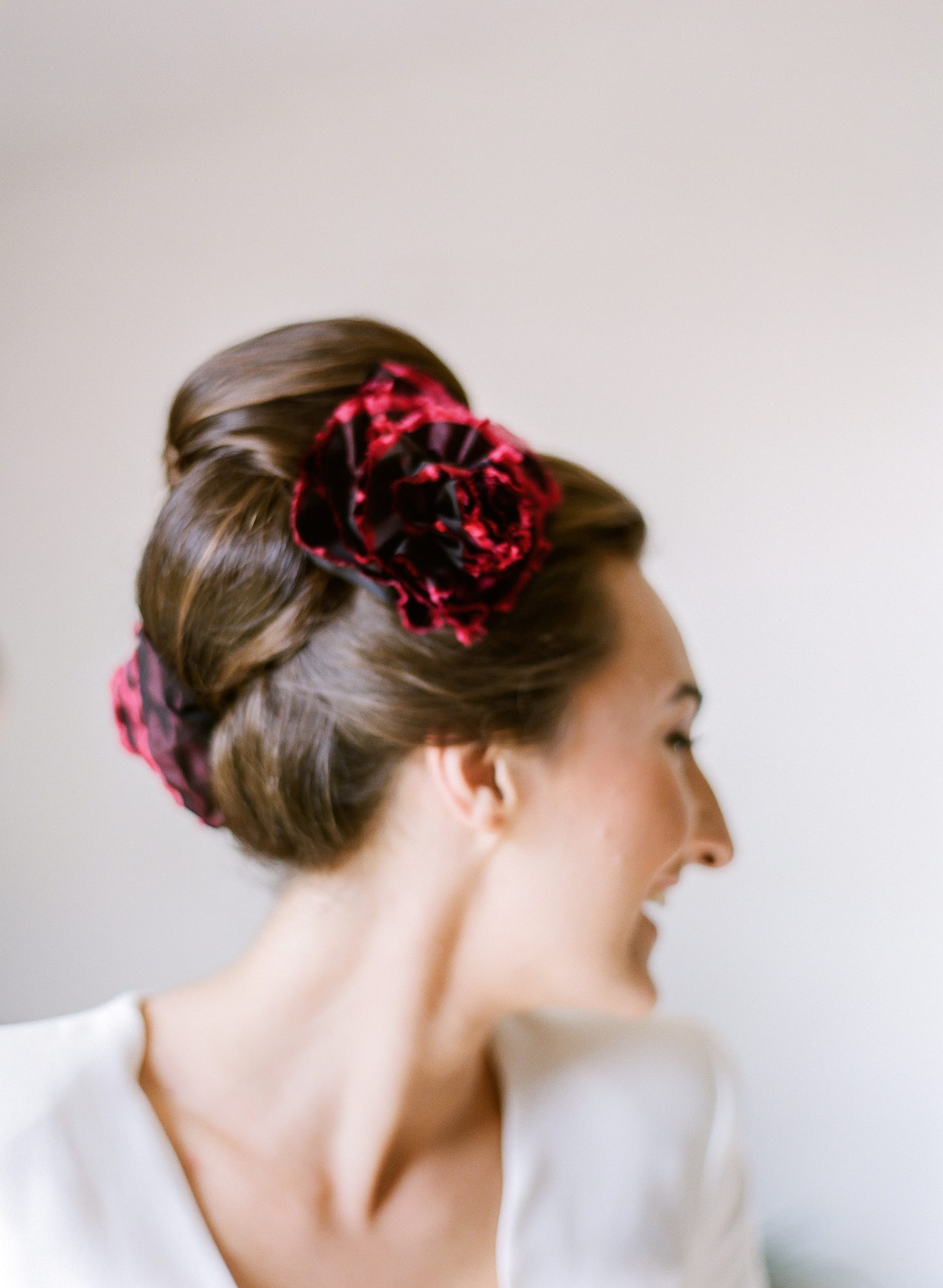 bride with red hair accessories