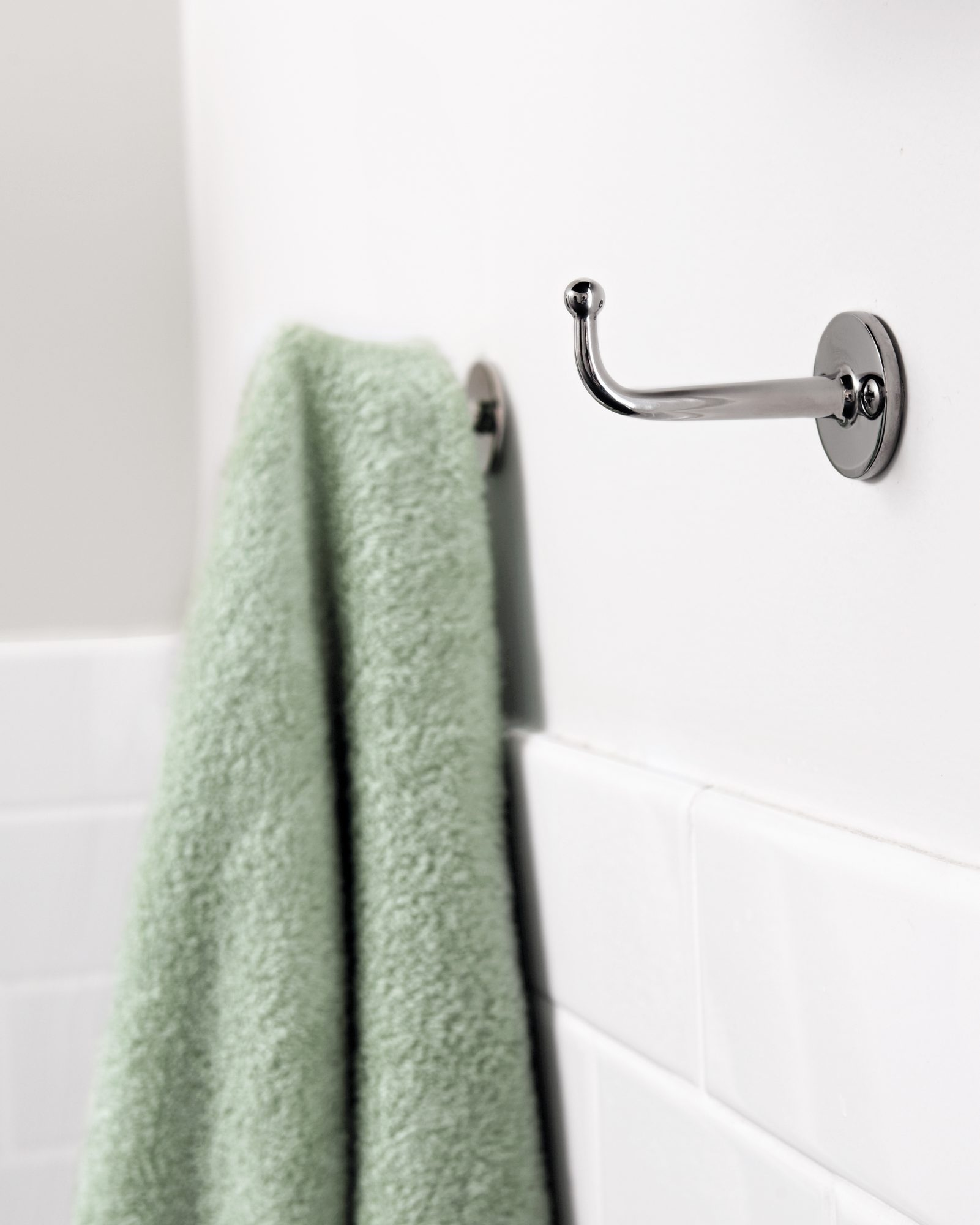 bathroom-storage-hooks-6223-d111382.jpg