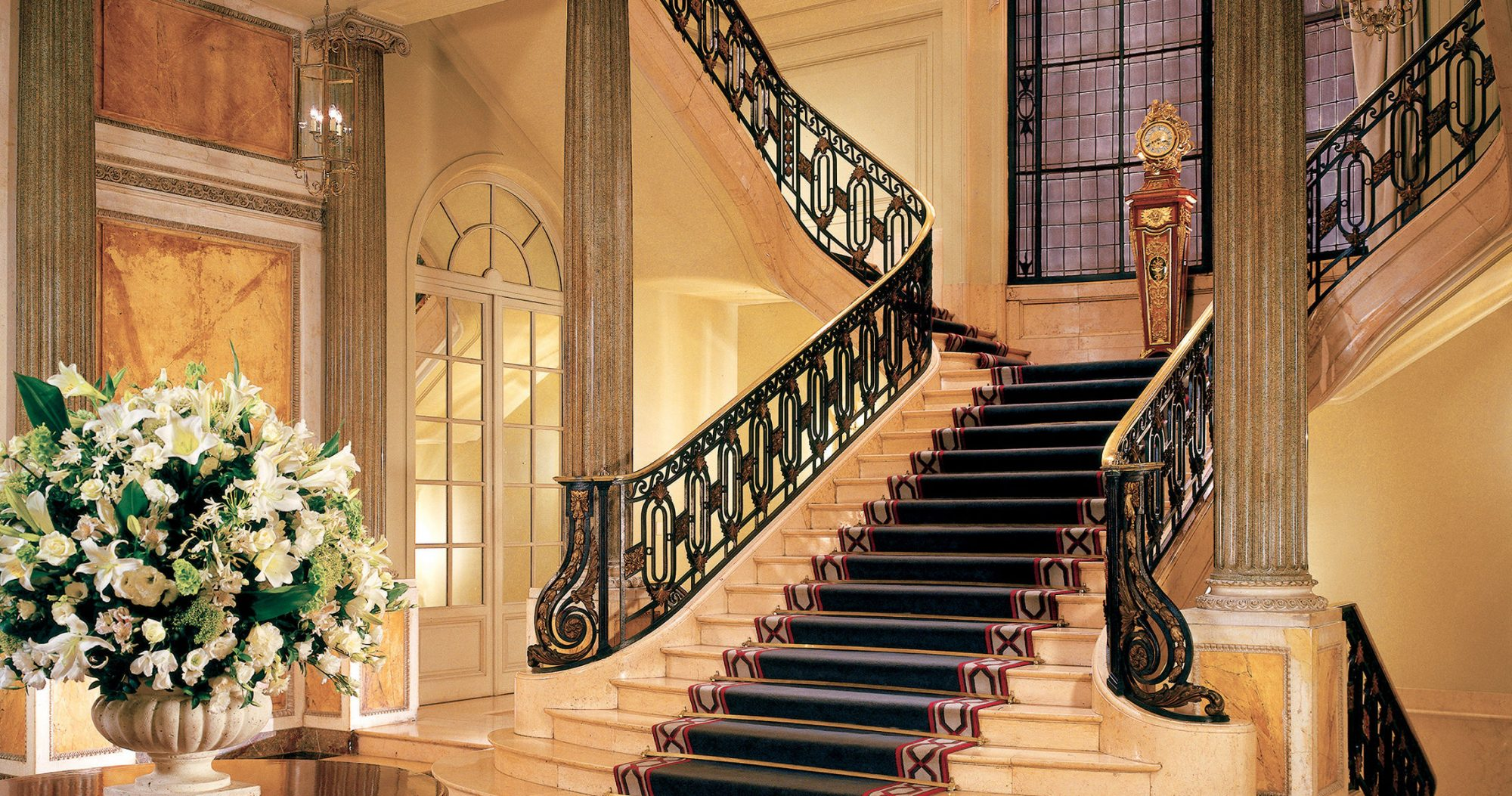 four seasons grand staircase