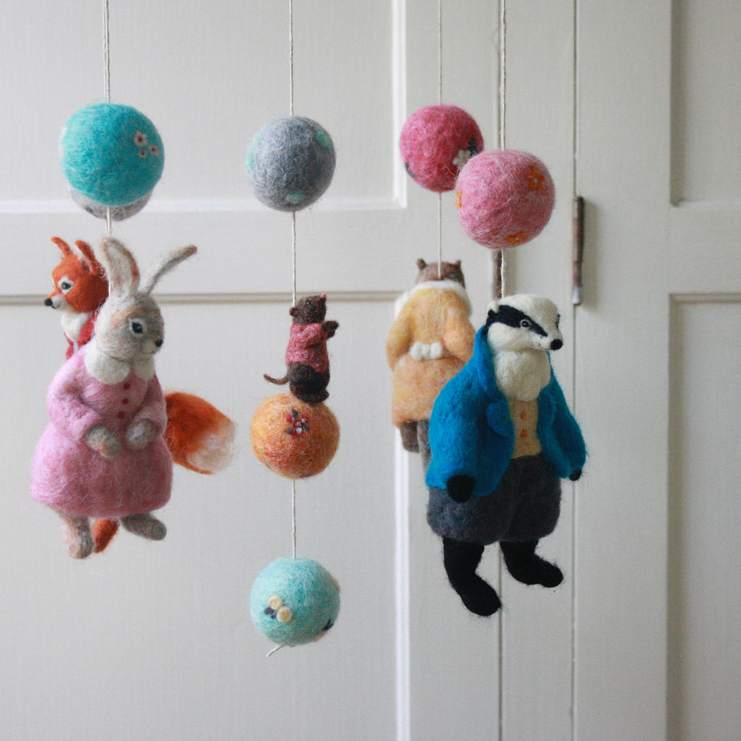 felted-mobile-foxes
