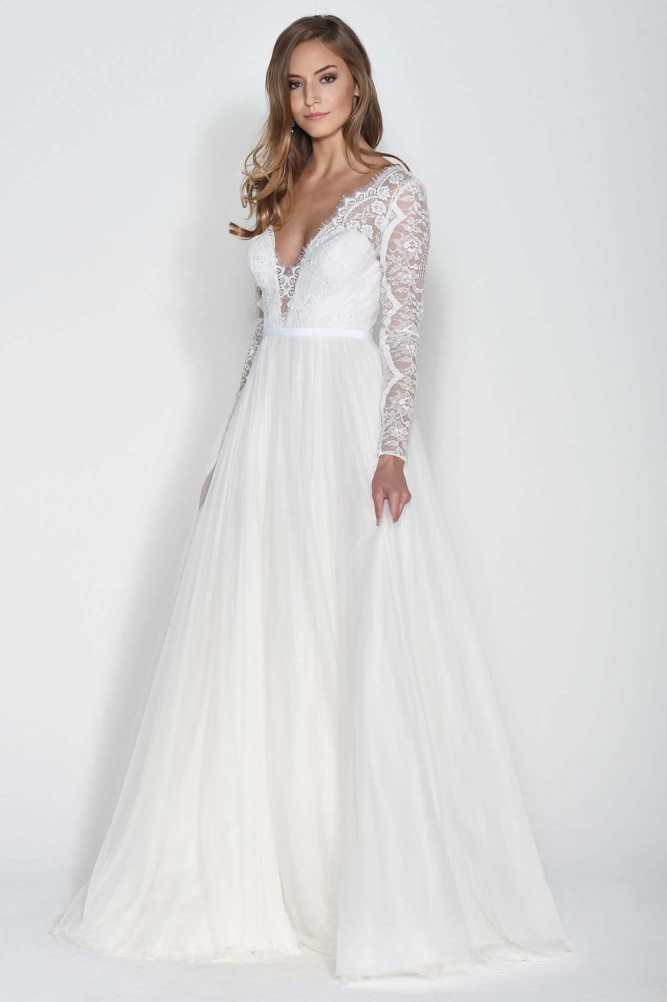 Wtoo by Watters Long Sleeves V-Neck Ball Gown Wedding Dress Fall 2018