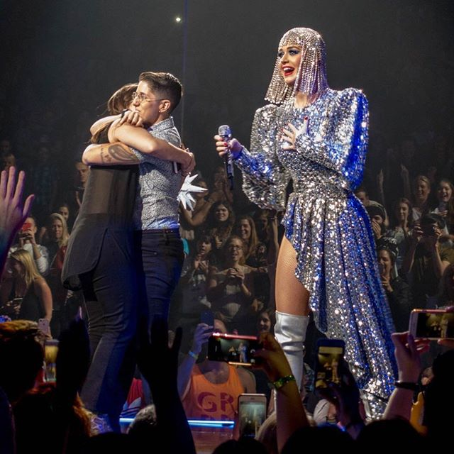 Katy Perry helping fan propose