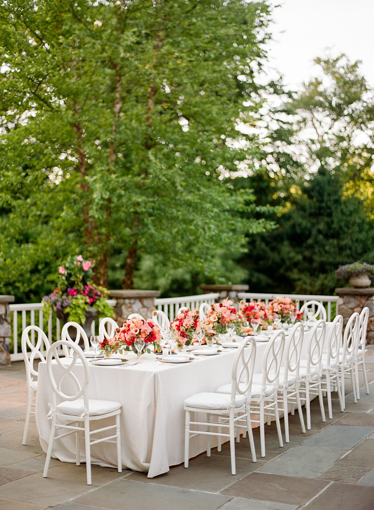 melissa michael decorated reception table