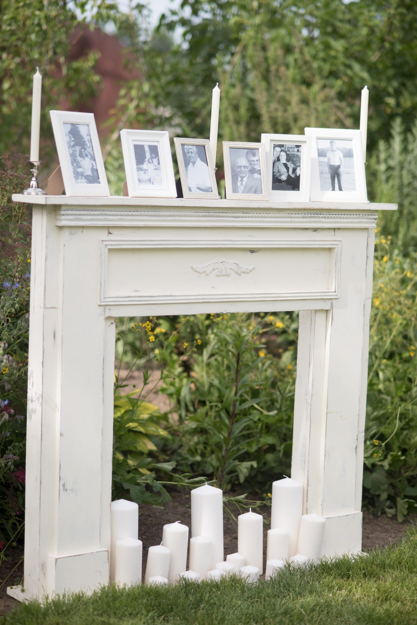 mantle with pictures
