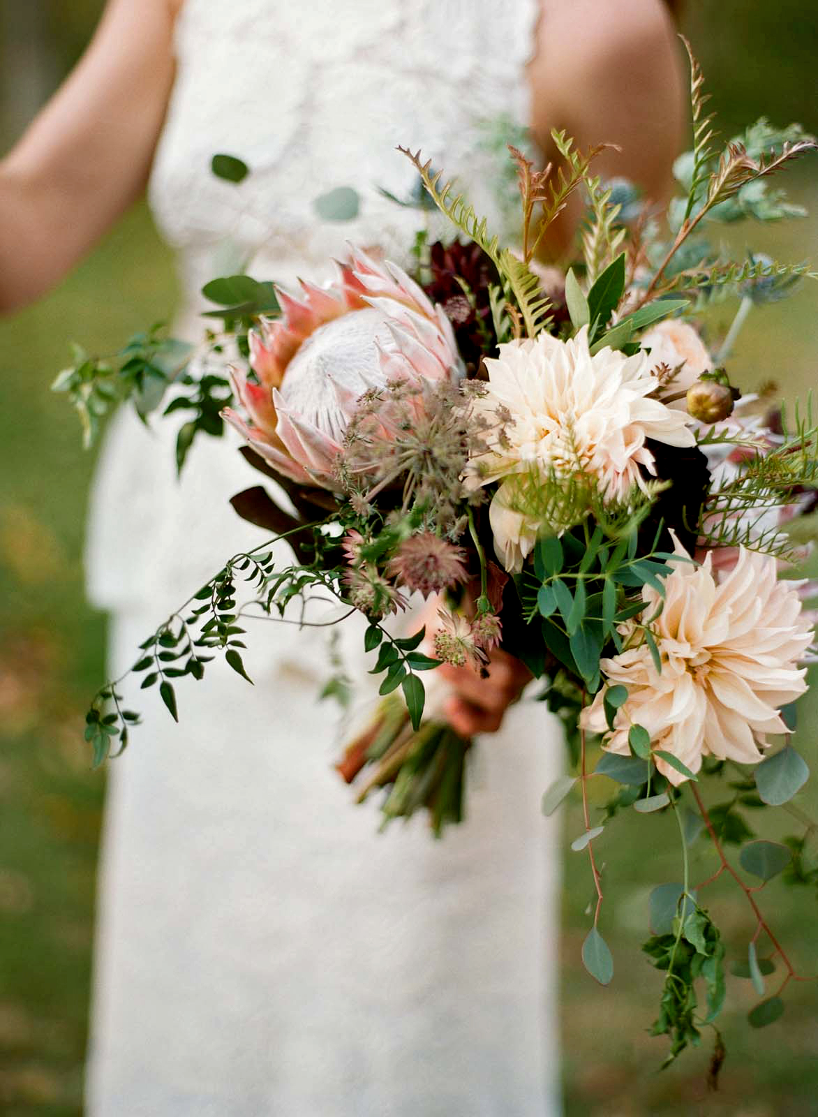 meg nick wedding bouquet