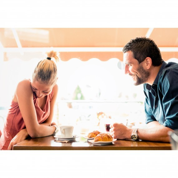 dating-couple-on-a-date-1215_sq.jpg (skyword:321726)