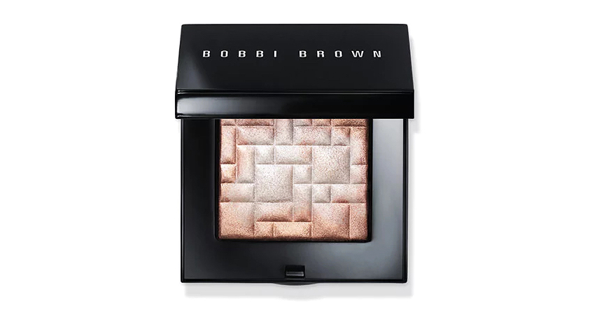 beauty product bobbi brown highlighter compact