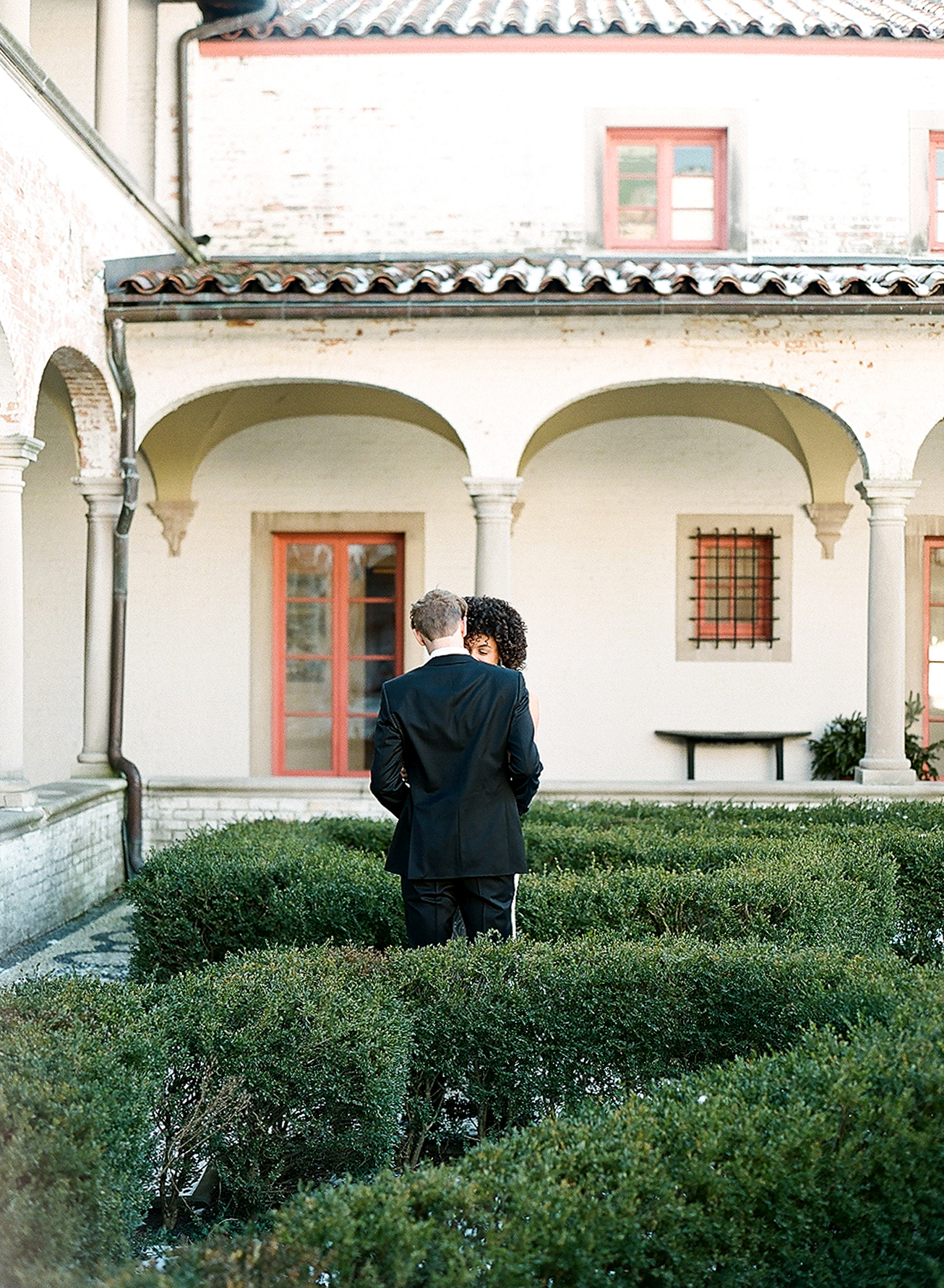 europe style couple in courtyard