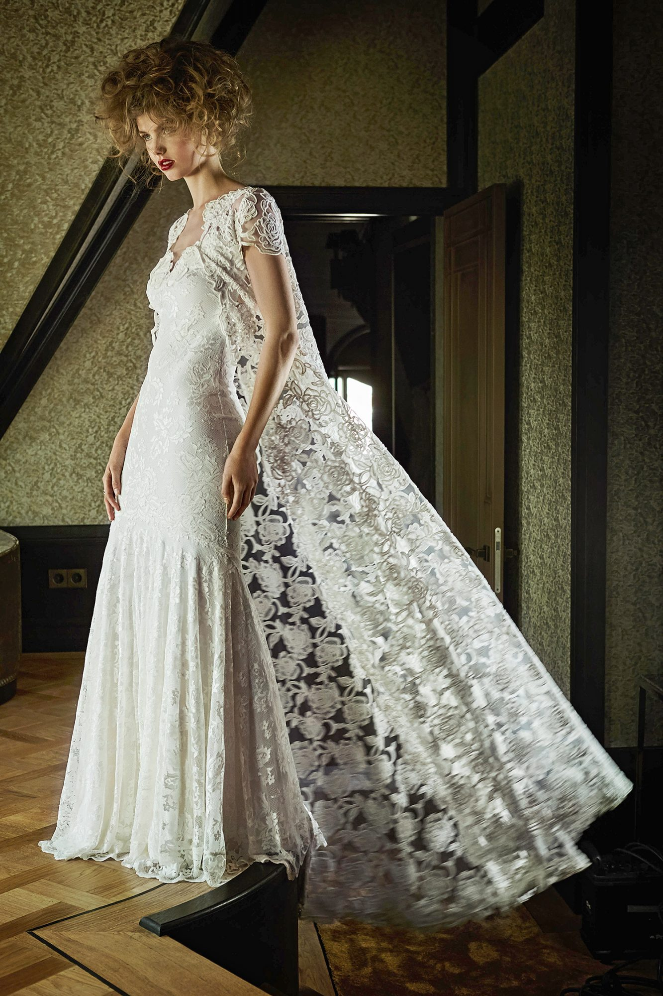 olvi wedding dress spring 2019 lace trumpet with caped jacket