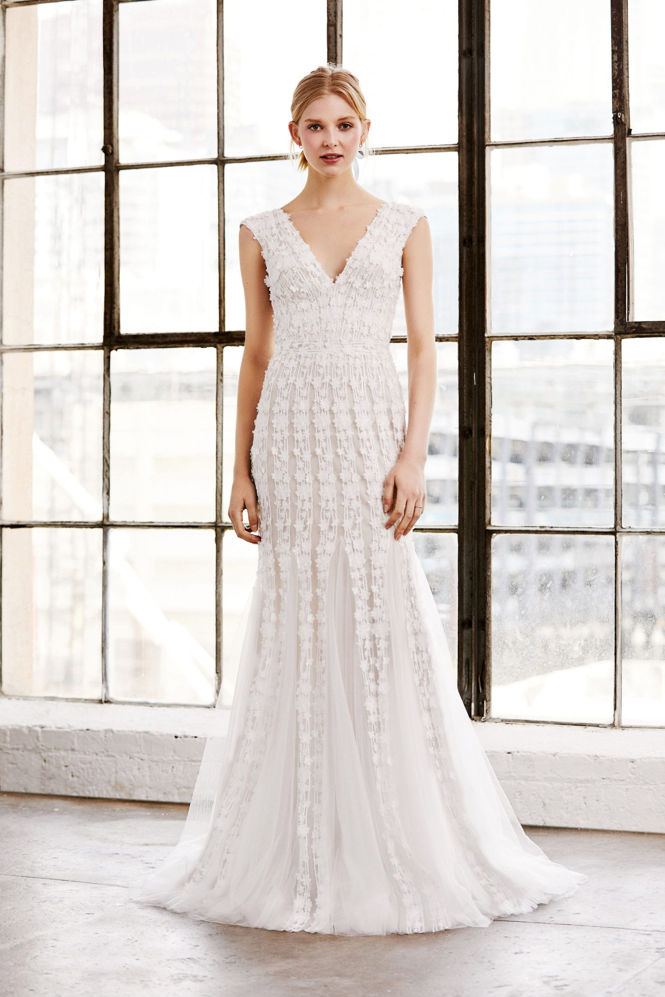 tadashi shoji wedding dress spring 2019 cap sleeves trumpet deep v