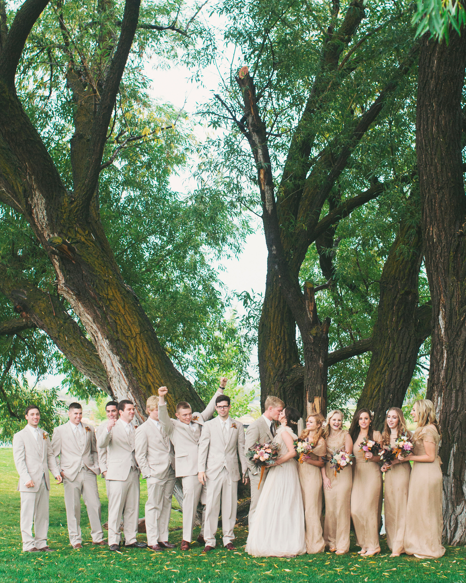 sara-matt-wedding-bridalparty-2341-s111990-0715.jpg