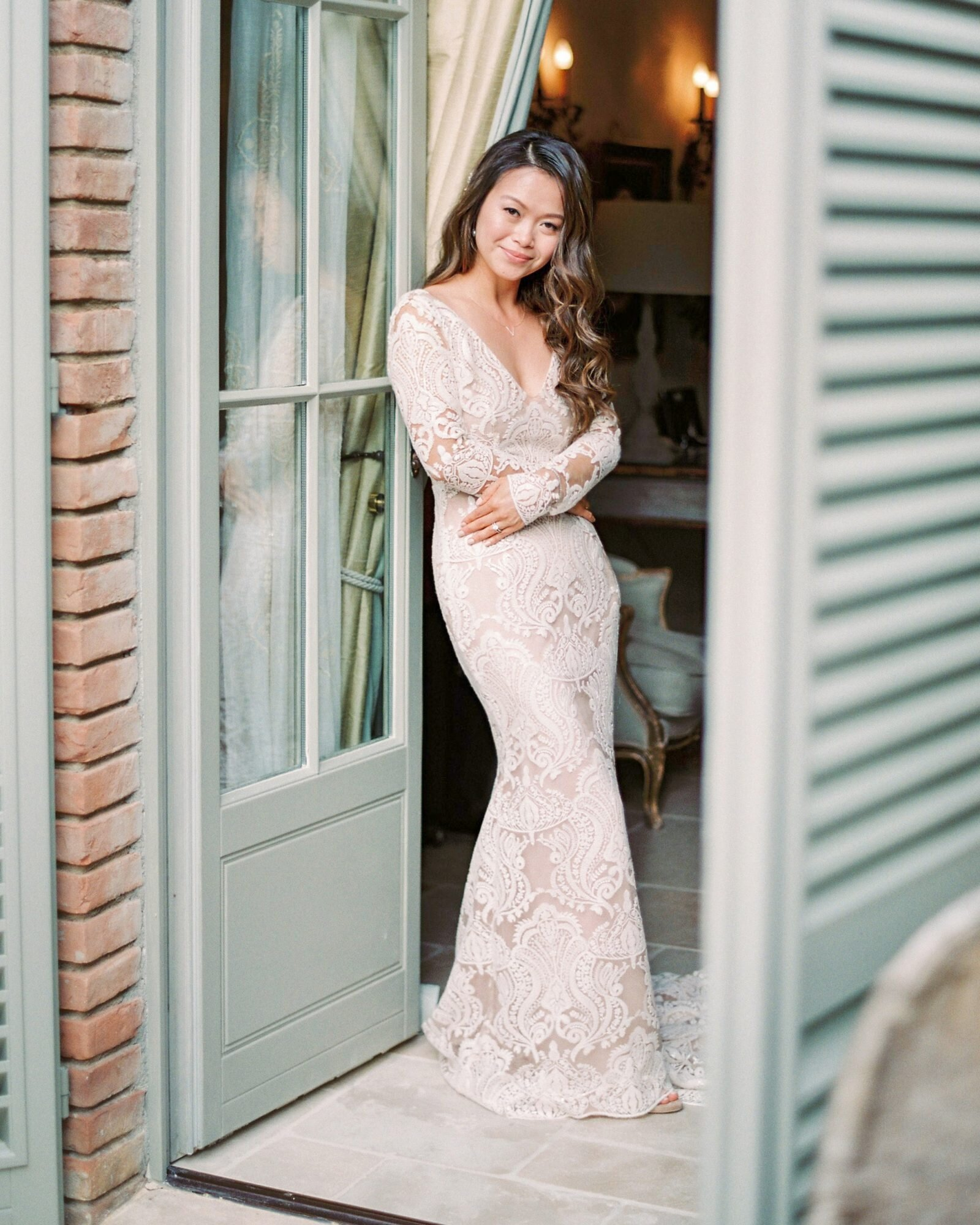 How to Wear a Long-Sleeved Wedding Dress in the Summer  Martha