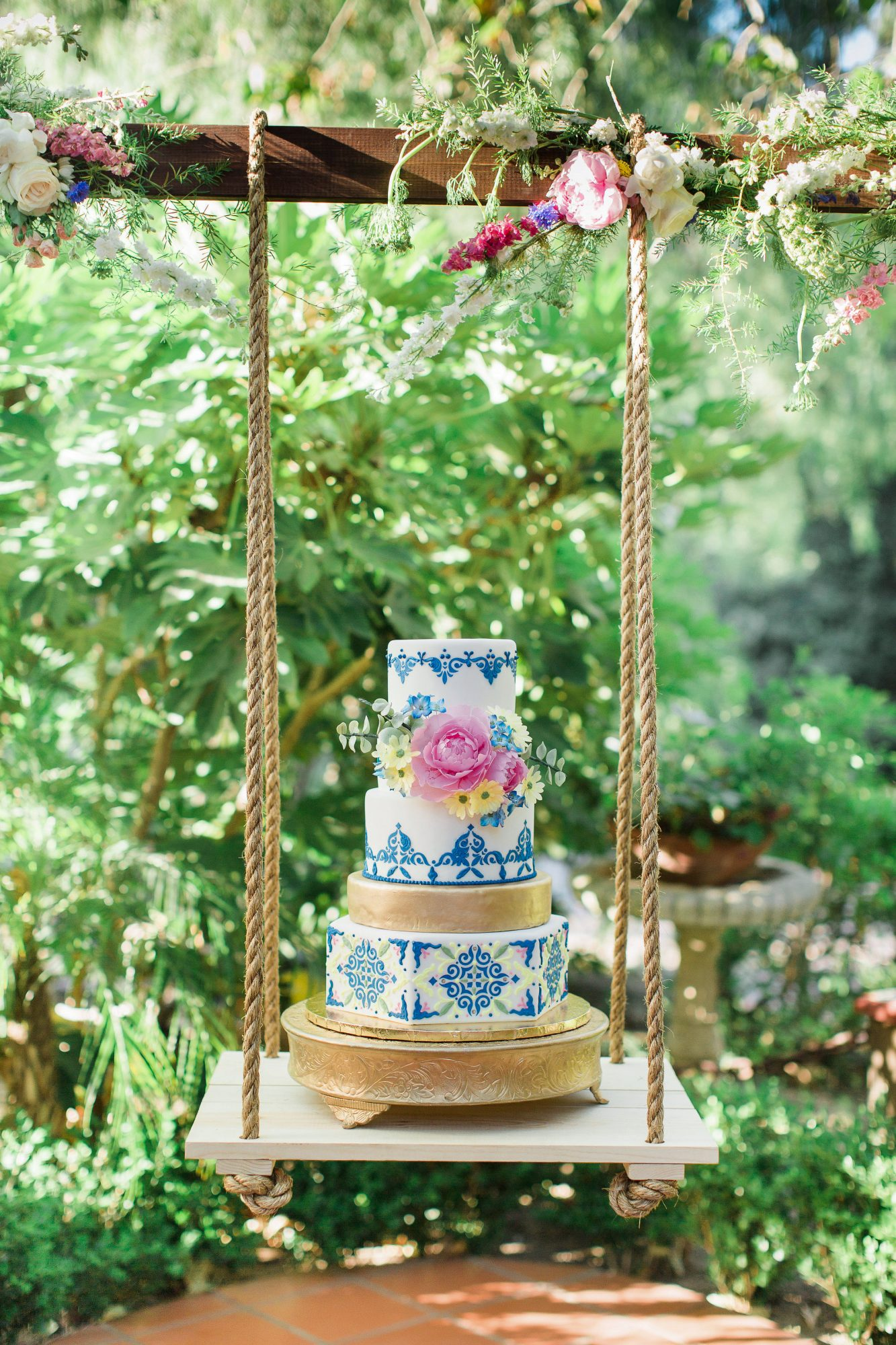 suspended wedding cake tables rebecca theresa