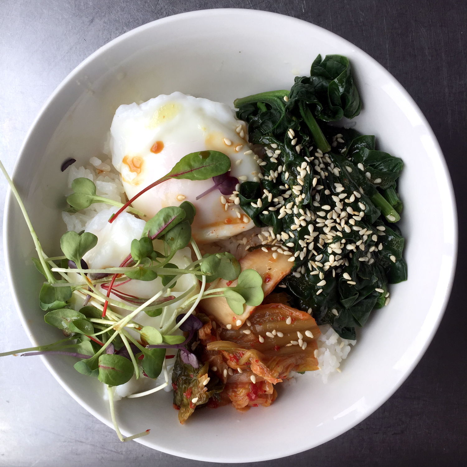 japanese rice bowl with seaweed and kimchi