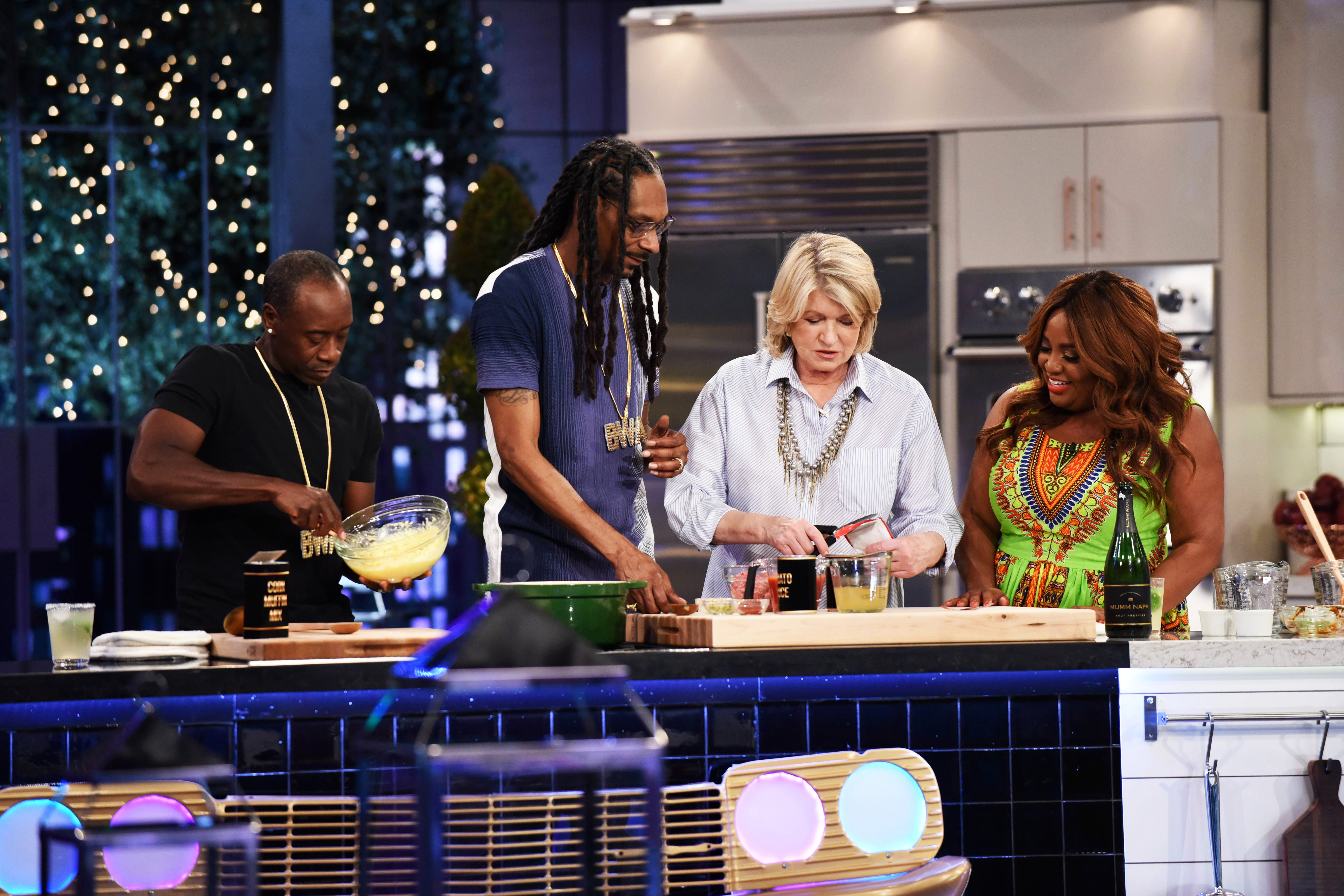 martha and snoop cooking with celebrity guests