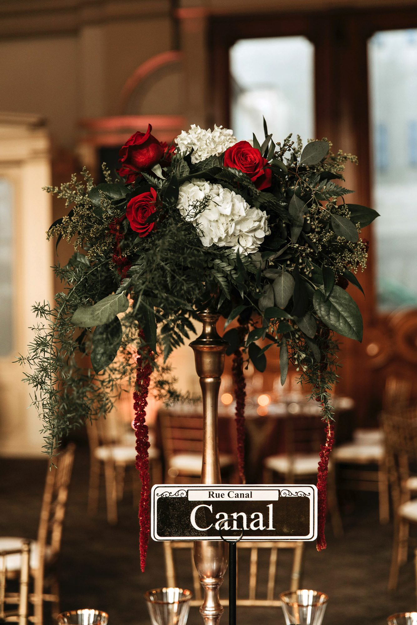 joe tim new orleans wedding roses centerpiece