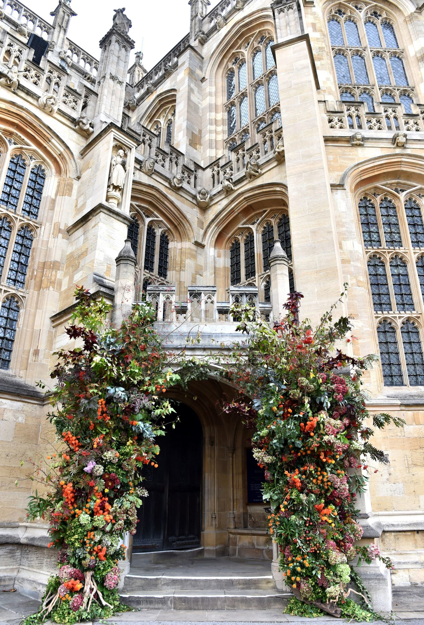 autumnal floral decor at the royal wedding of princess eugenie