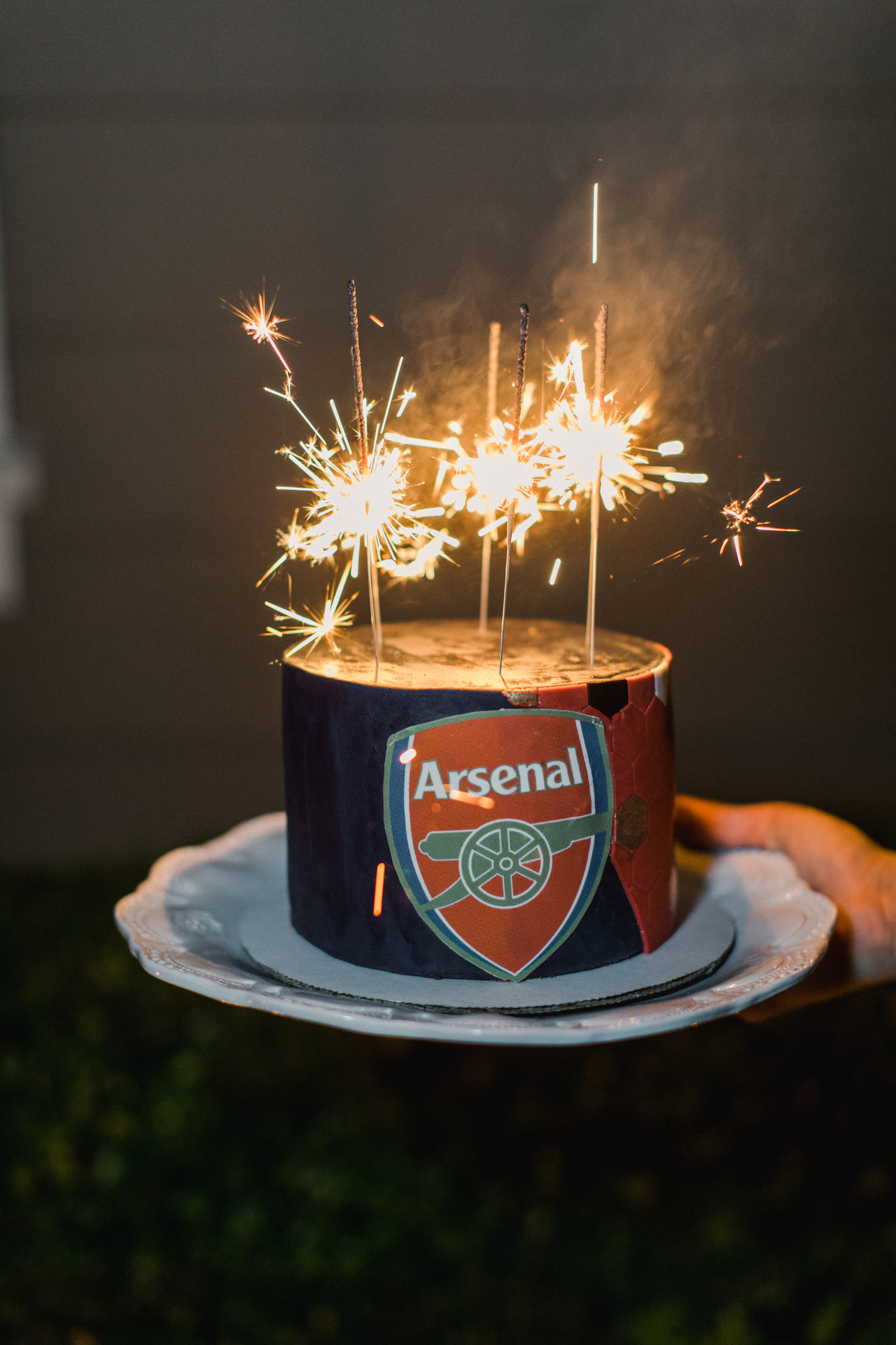 nadine dan wedding grooms cake arsenal crest